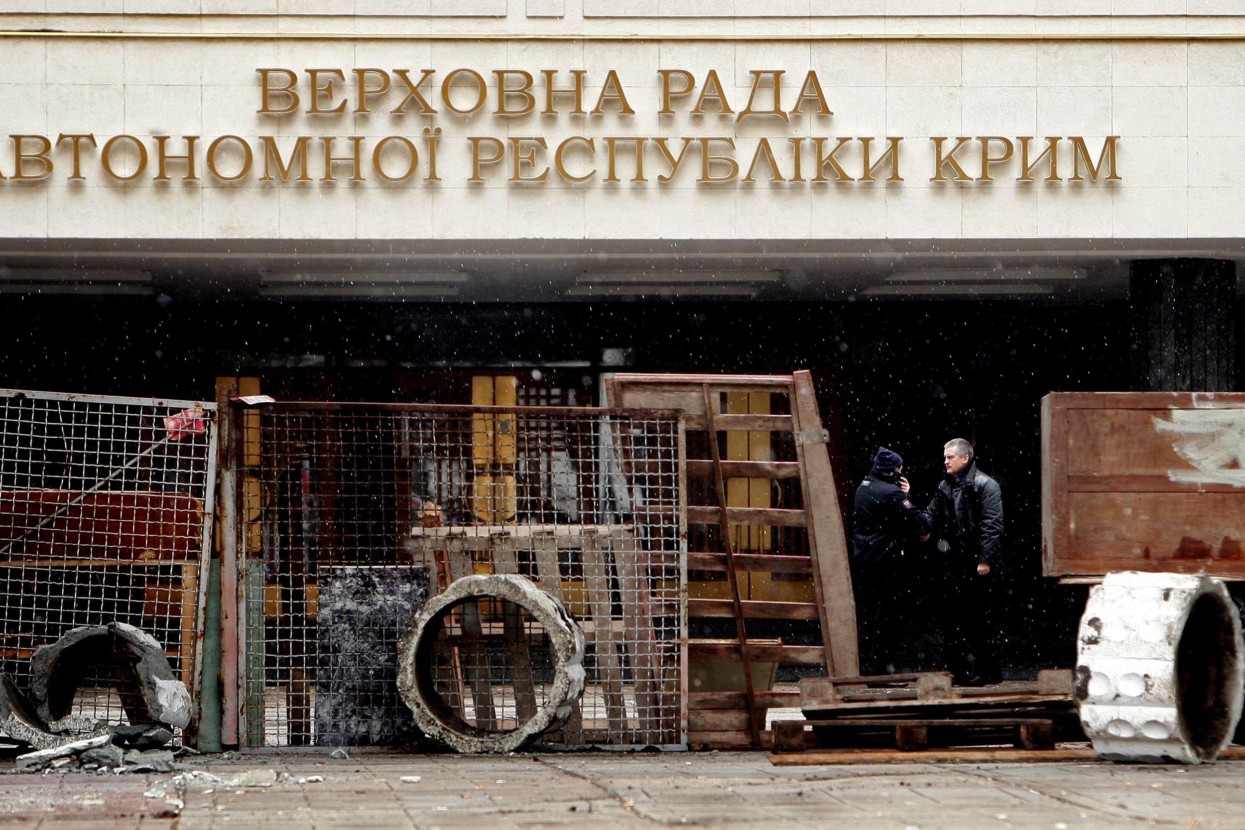 Image: Pro-Russia protests in Simferopol