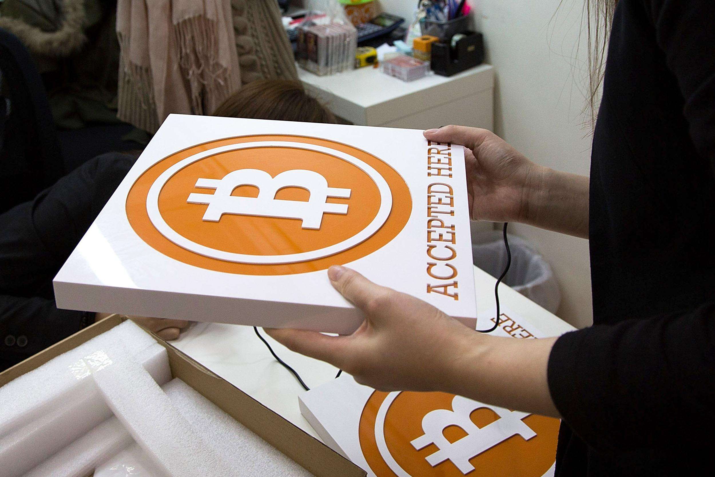 Another bitcoin exchange is in dire straits after hackers stole bitcoins valued at over $600,000.