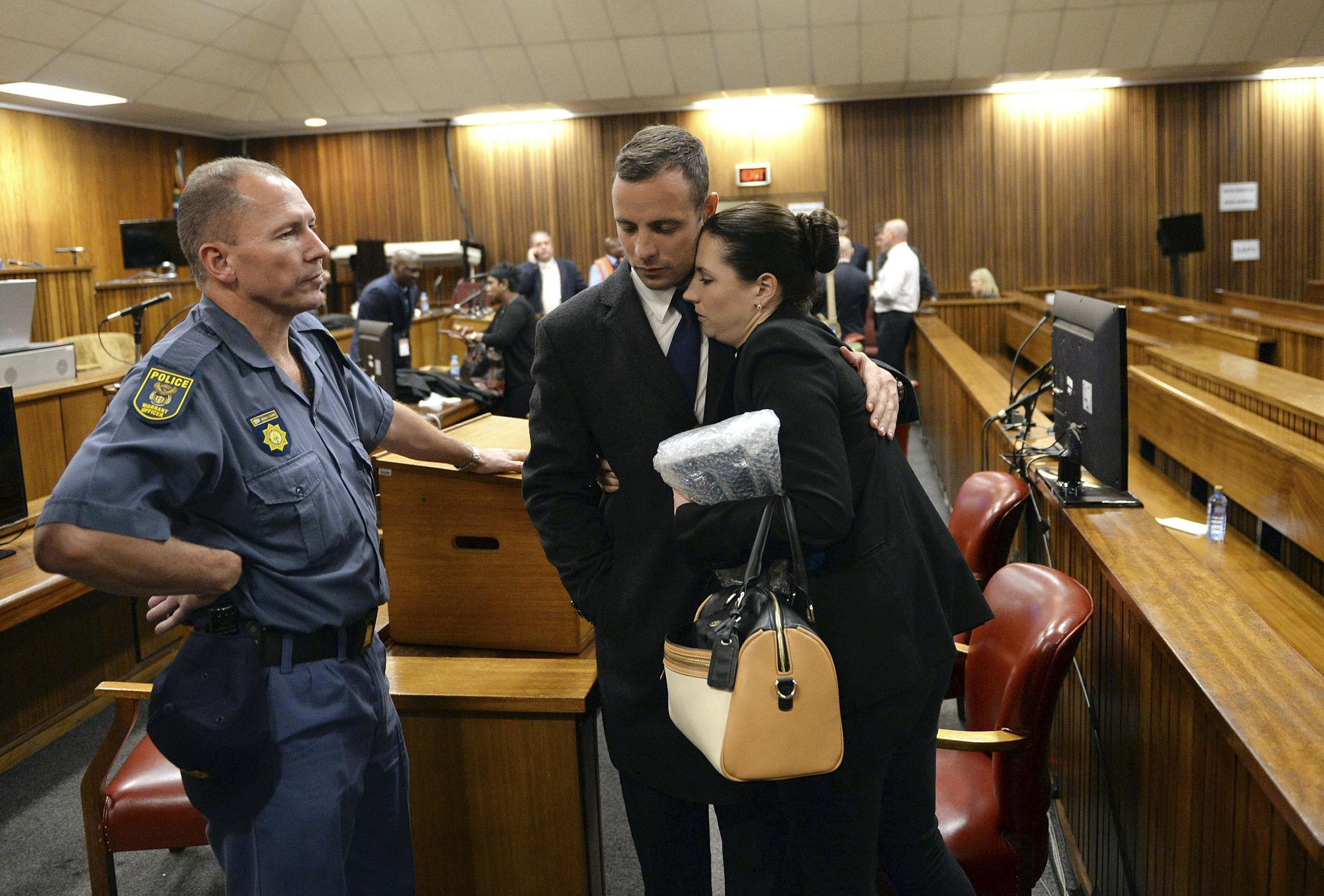 Image: Oscar Pistorius and sister Aimee