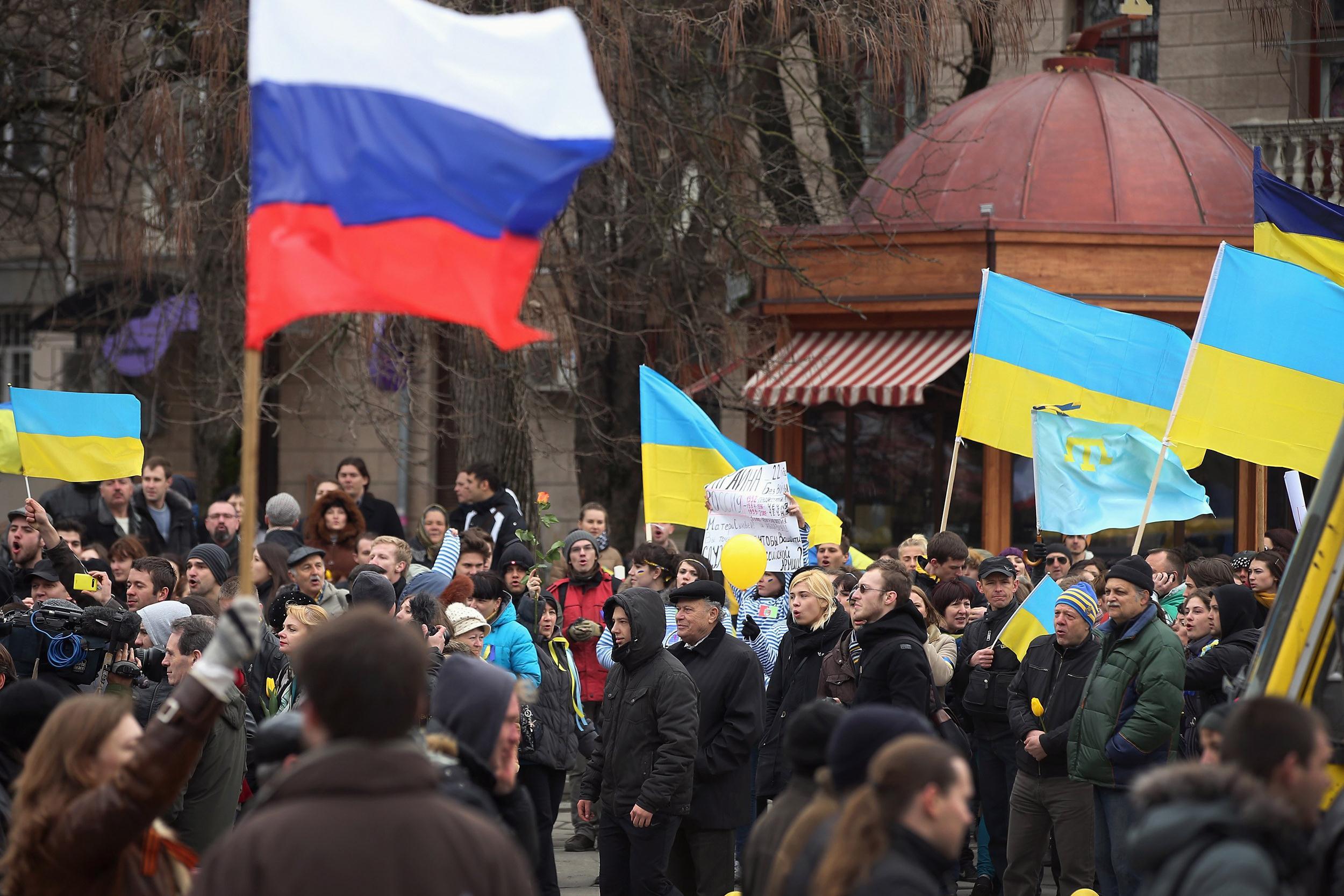 In Ukraine Polls Pro Russian 43