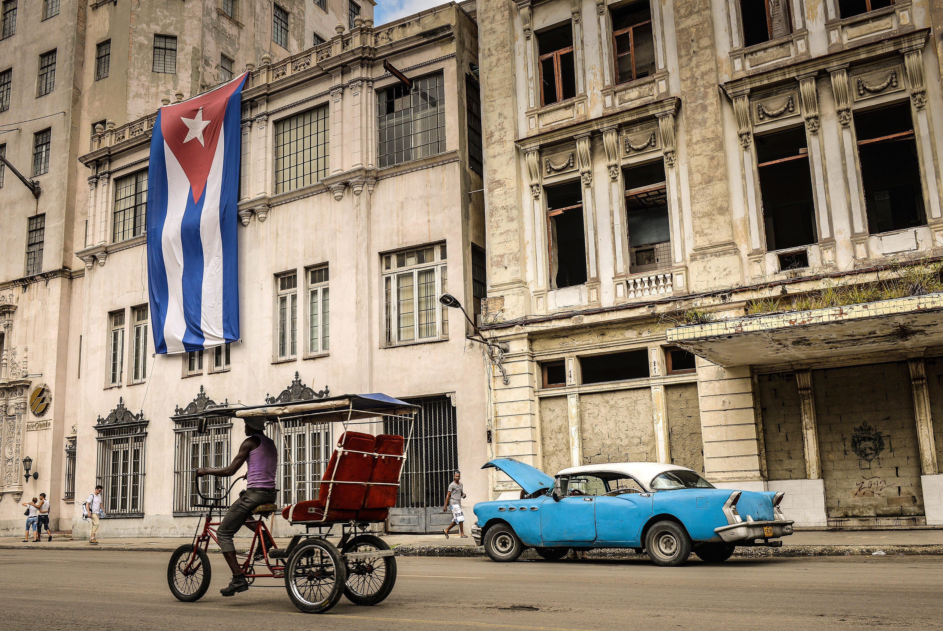 Gigantes comerciales de EEUU esperan hacer negocios con Cuba, pero el gobierno marca límites