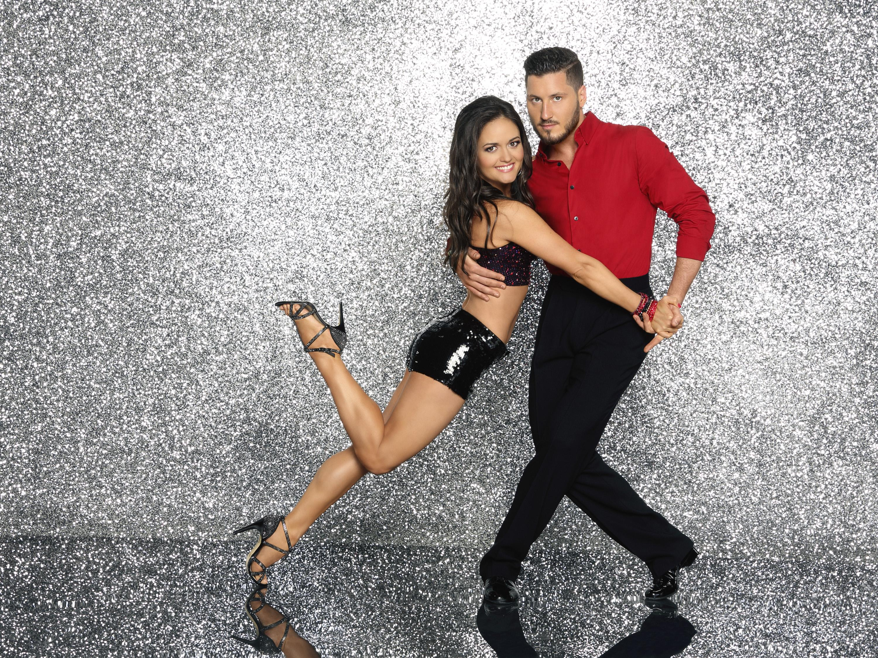 Dwts val and kelly still dating