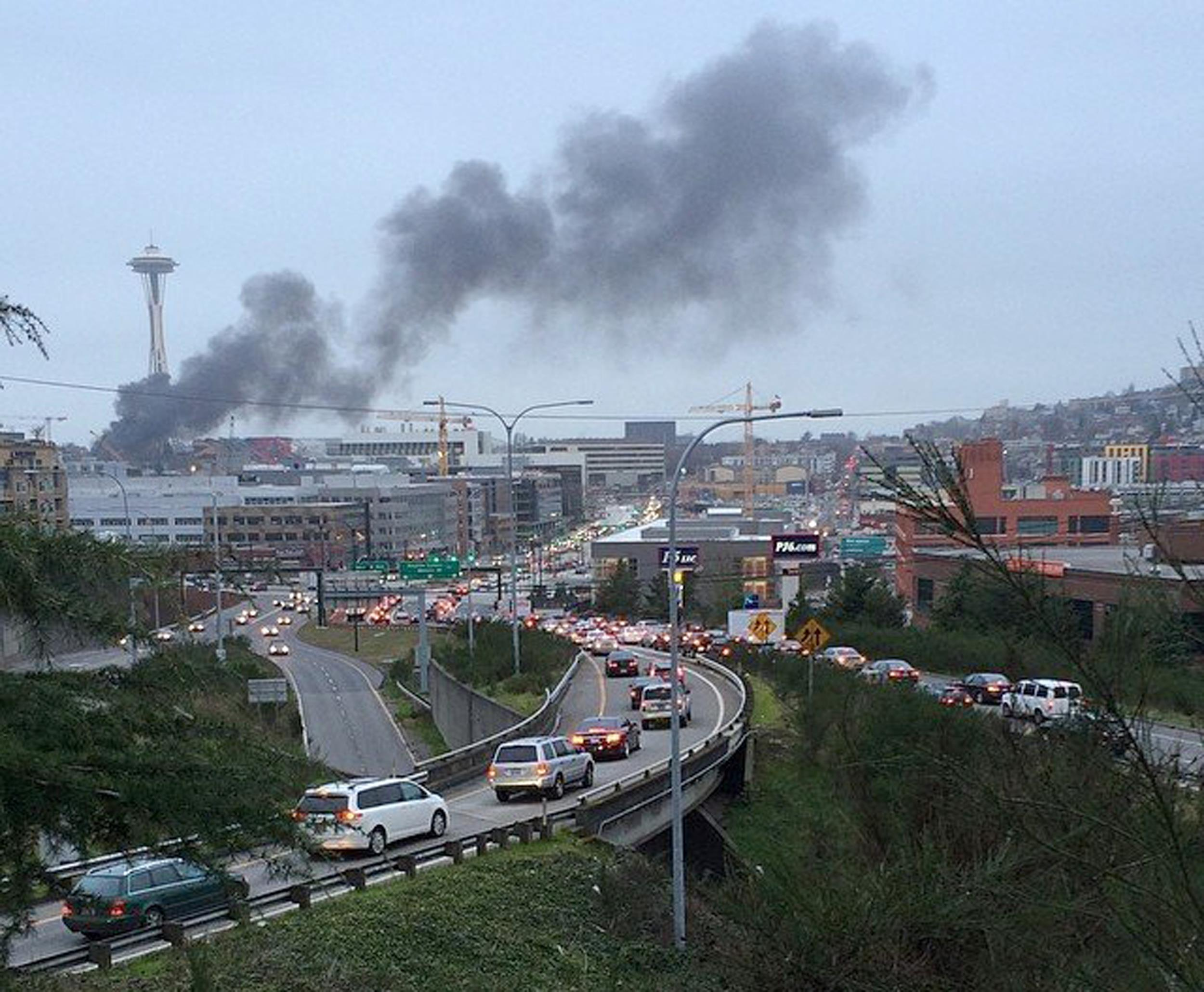 Image: Seattle: Press helicopter crashes next to Space Needle
