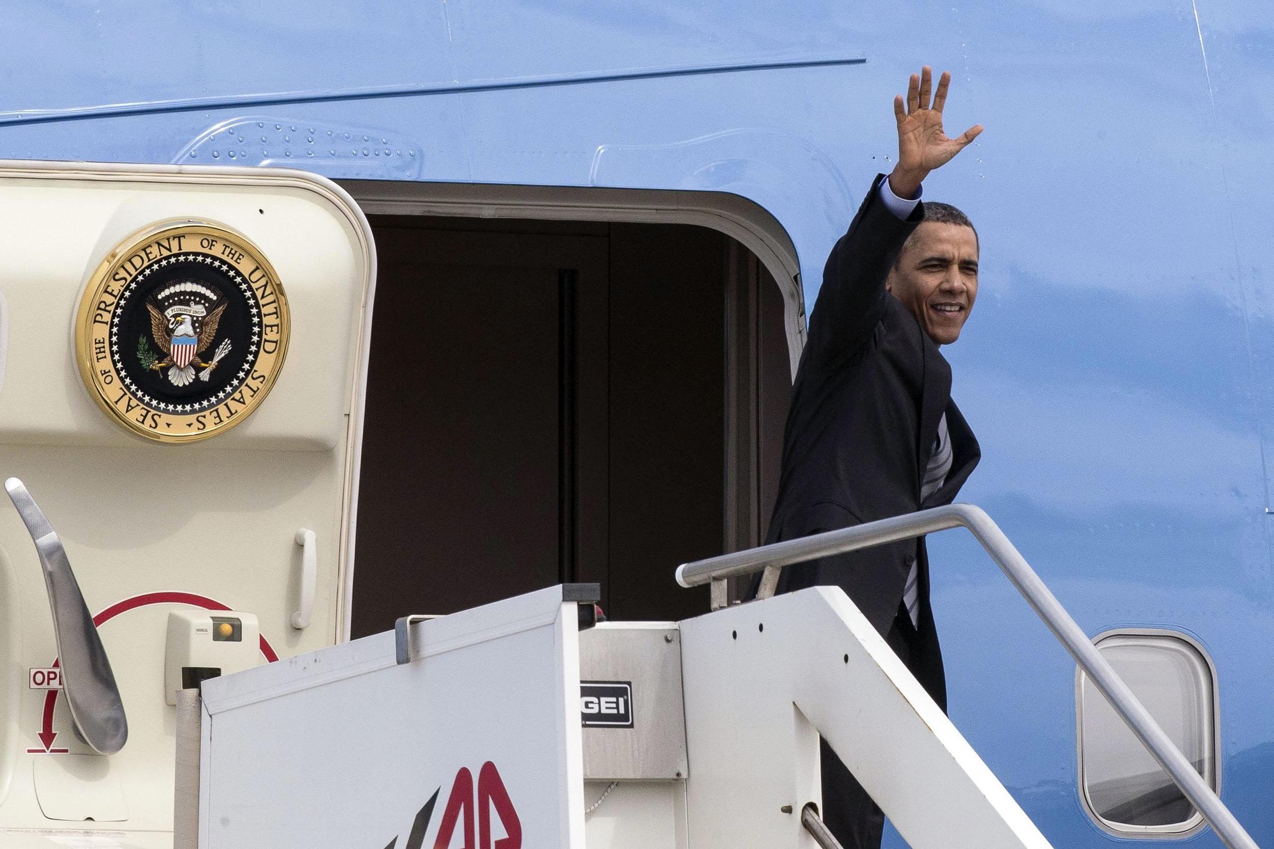 Image: Barack Obama leaves Rome