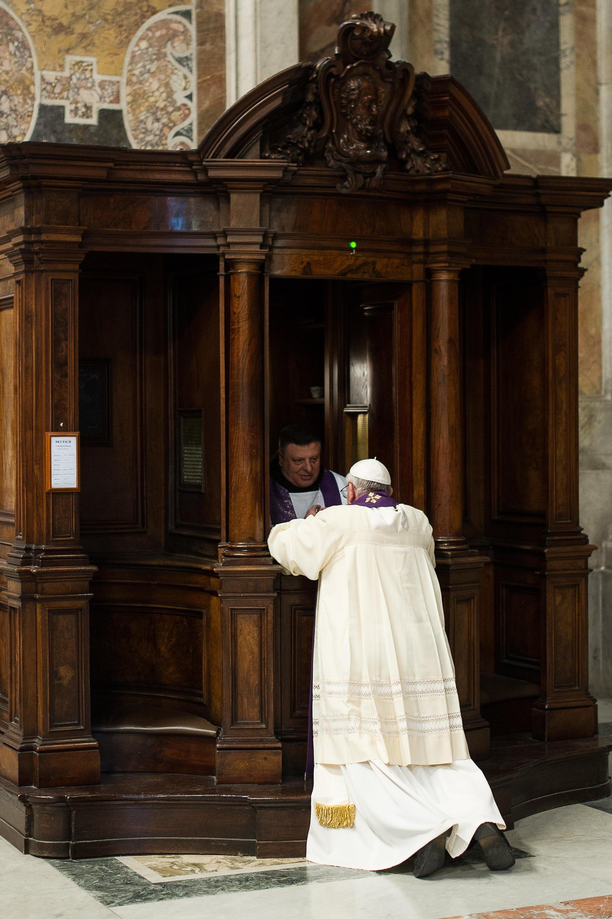 Pope Breaks Protocol, Goes to Confession in Public - NBC News