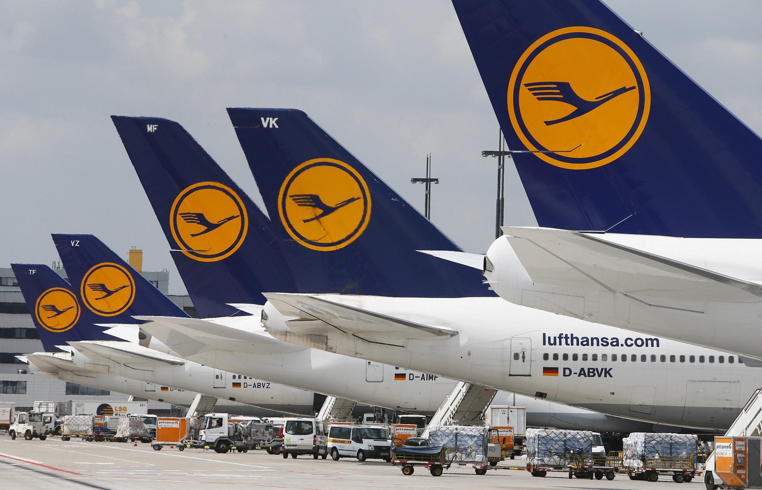 Lufthansa flight crews strike 290 flights canceled 15 for Lufthansa direct flights to germany