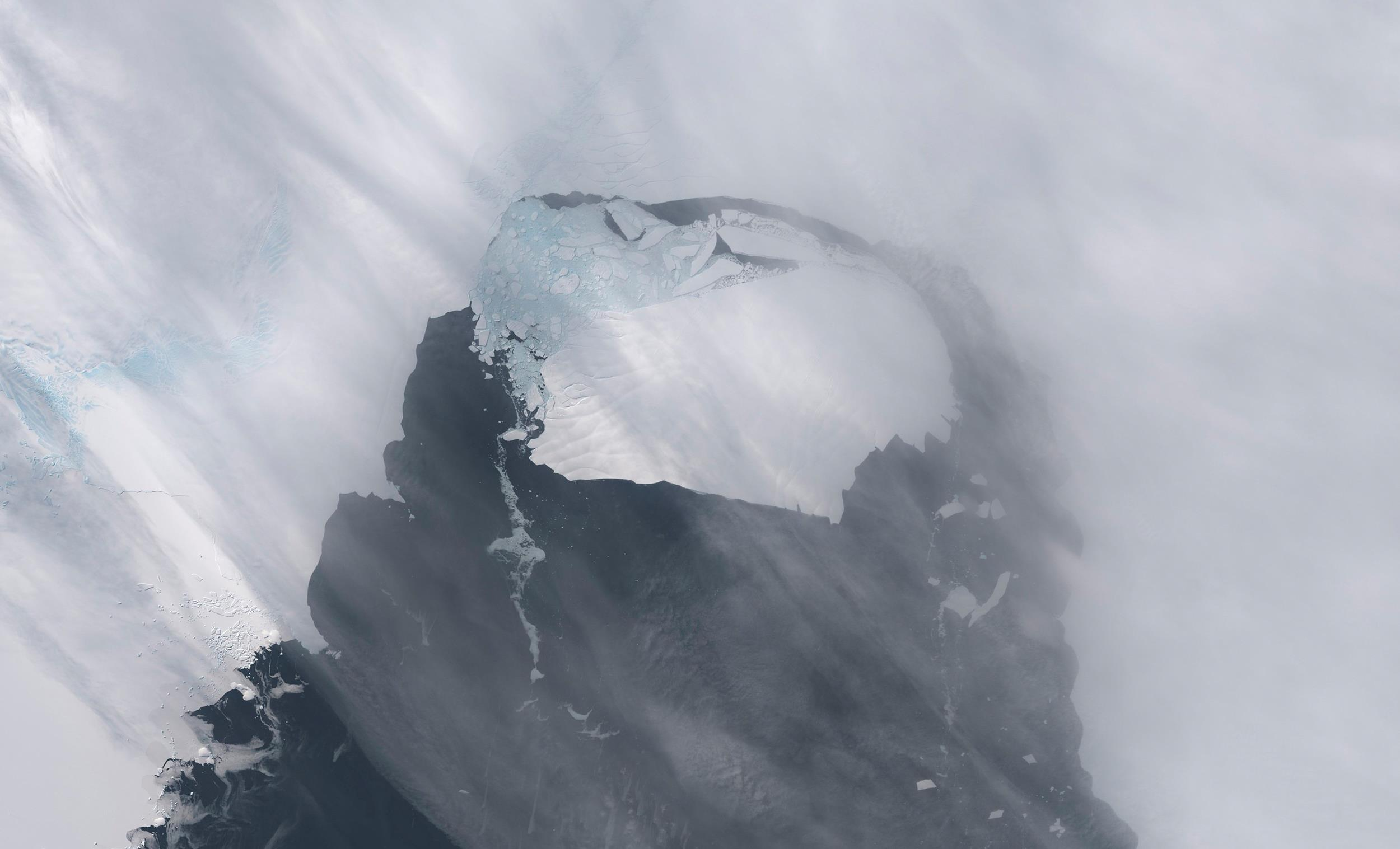story weather literally when massive iceberg break antarctica