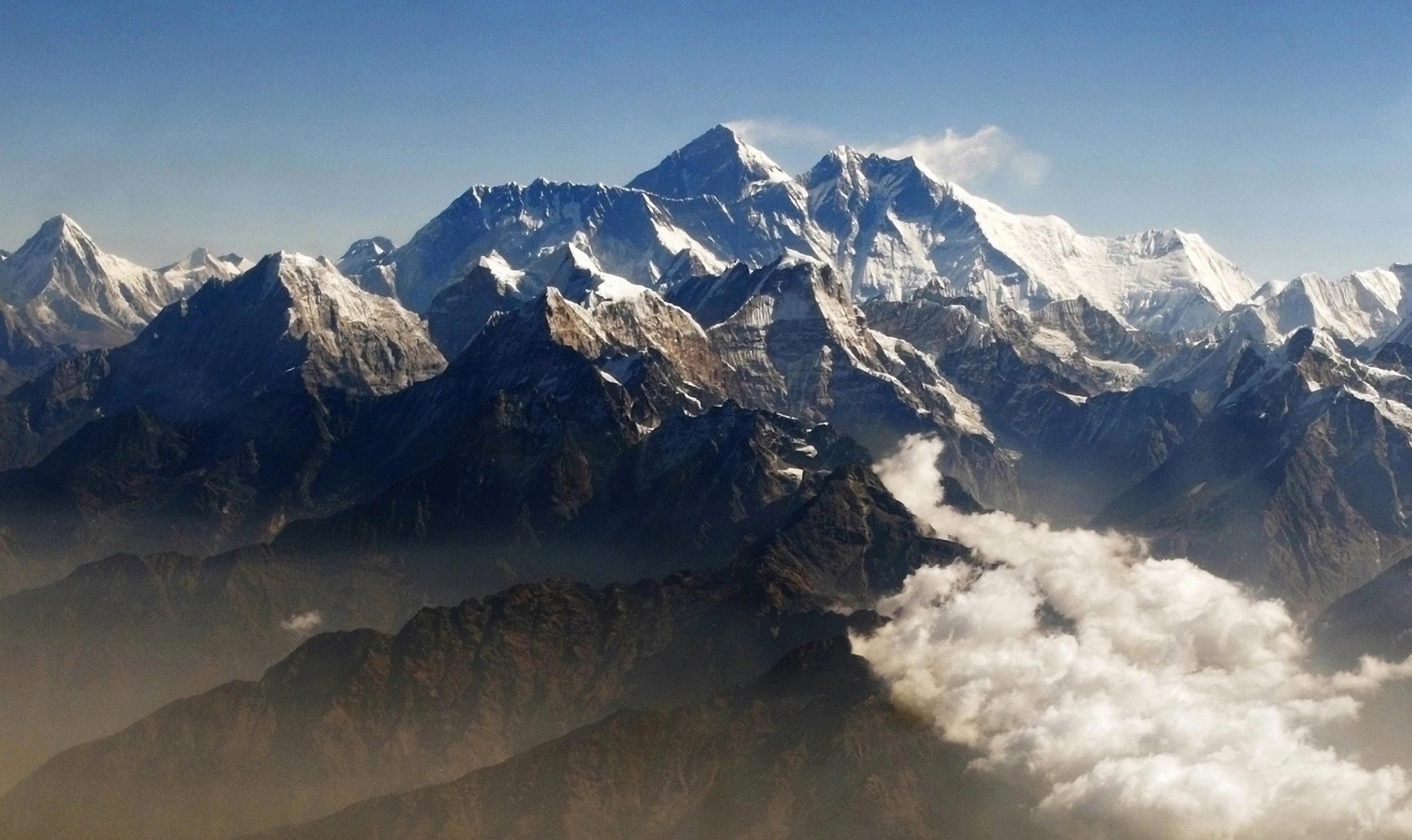 Image: Mount Everest and other peaks of the Himalayan range seen from the air