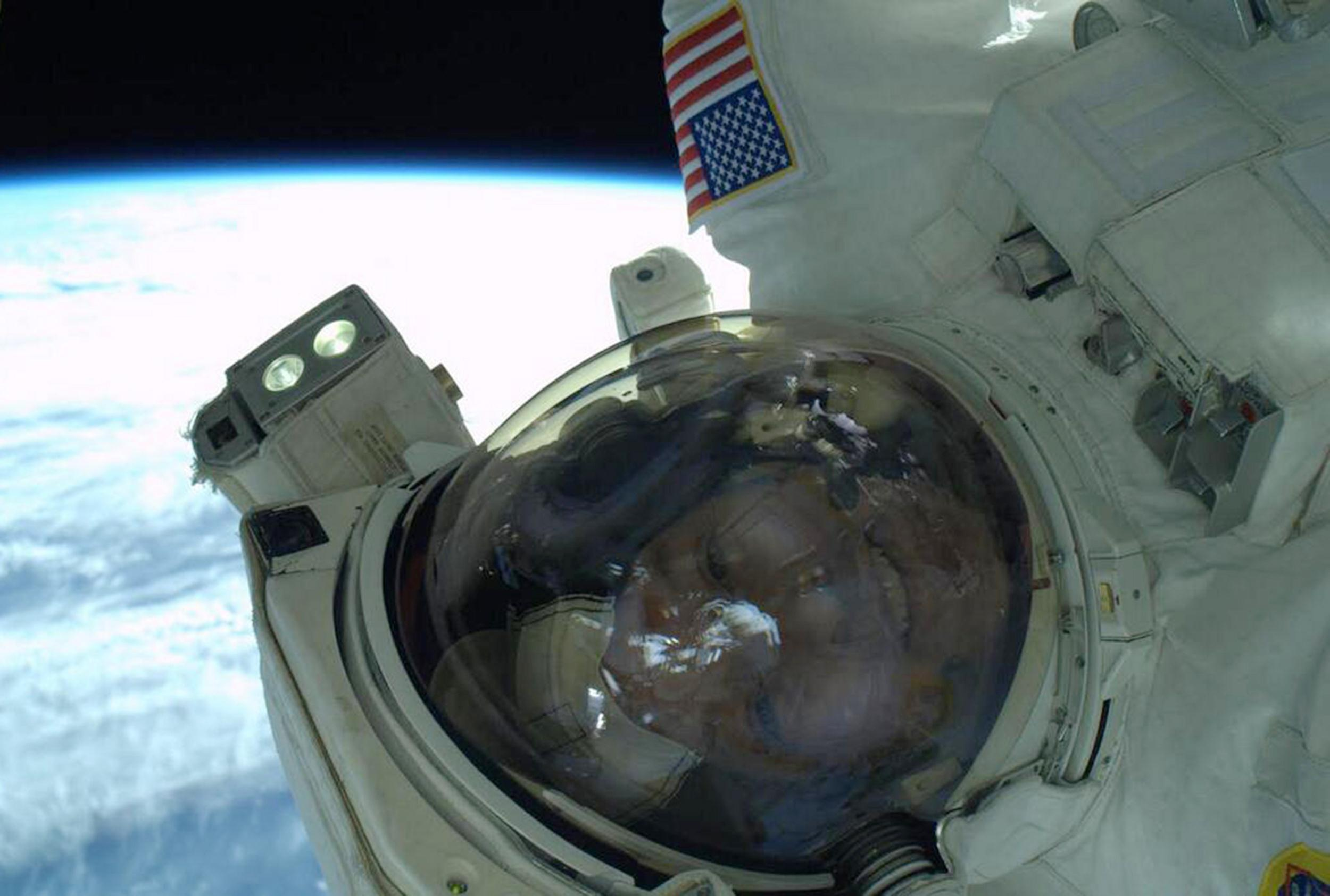 Image: NASA Astronaut Rick Mastracchio takes a selfie during an EVA on the ISS.