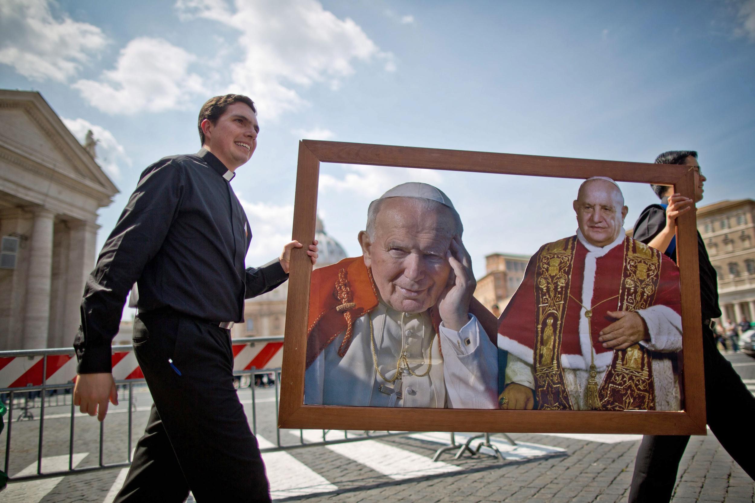 Image: Waiting for canonization of John Paul II and John XXIII