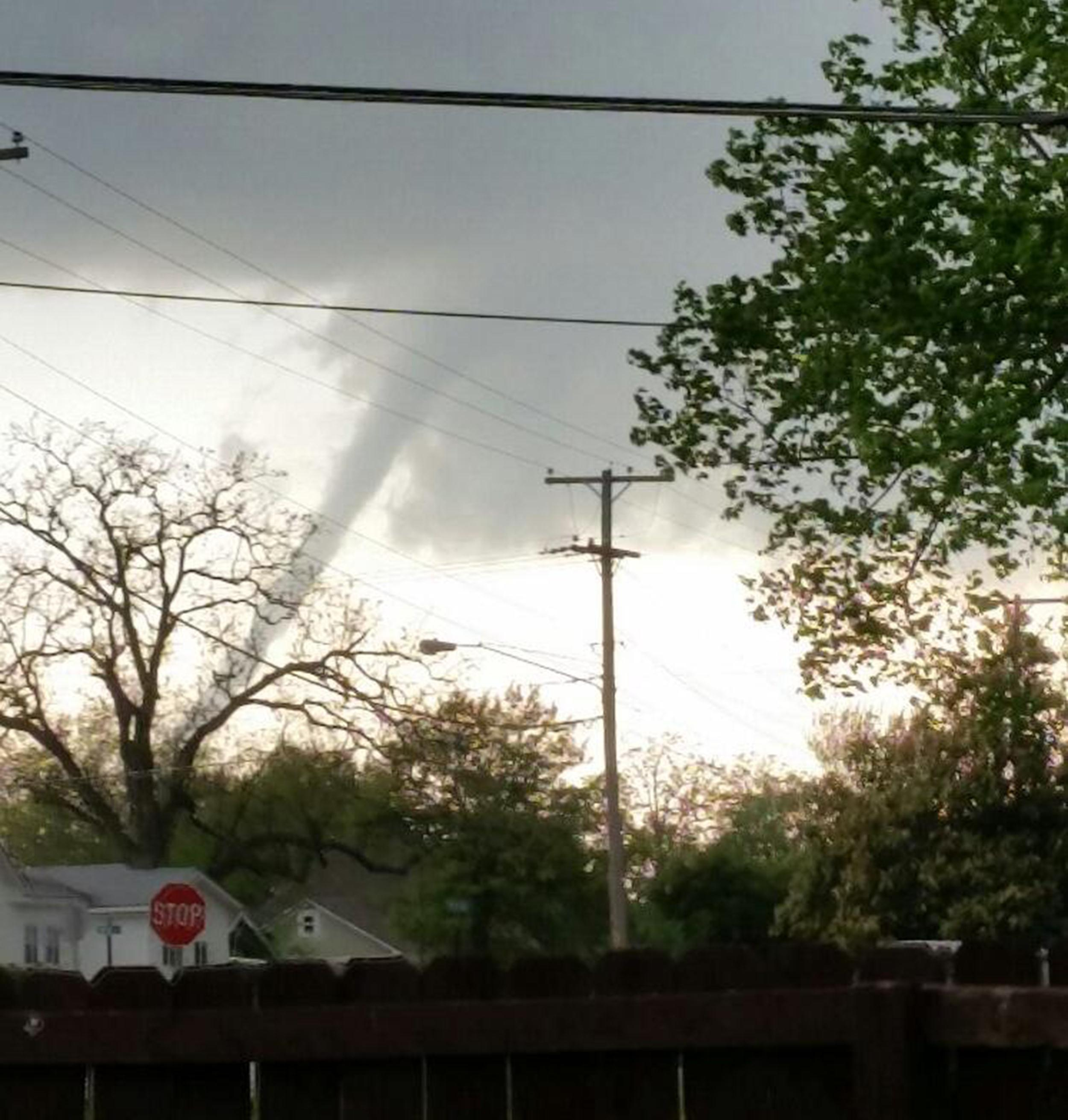 Image: A suspected tornado seen from Galena, Kan., looking toward the west.
