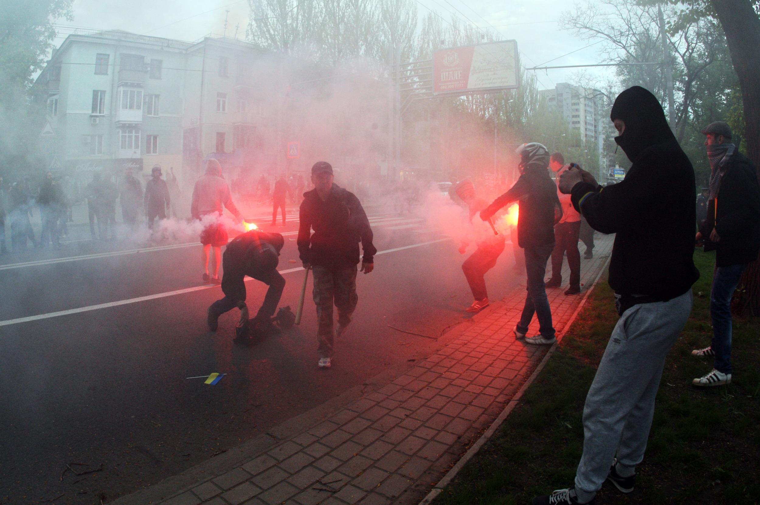 Image: UKRAINE-RUSSIA-POLITICS-CRISIS-DONETSK-DEMONSTRATION