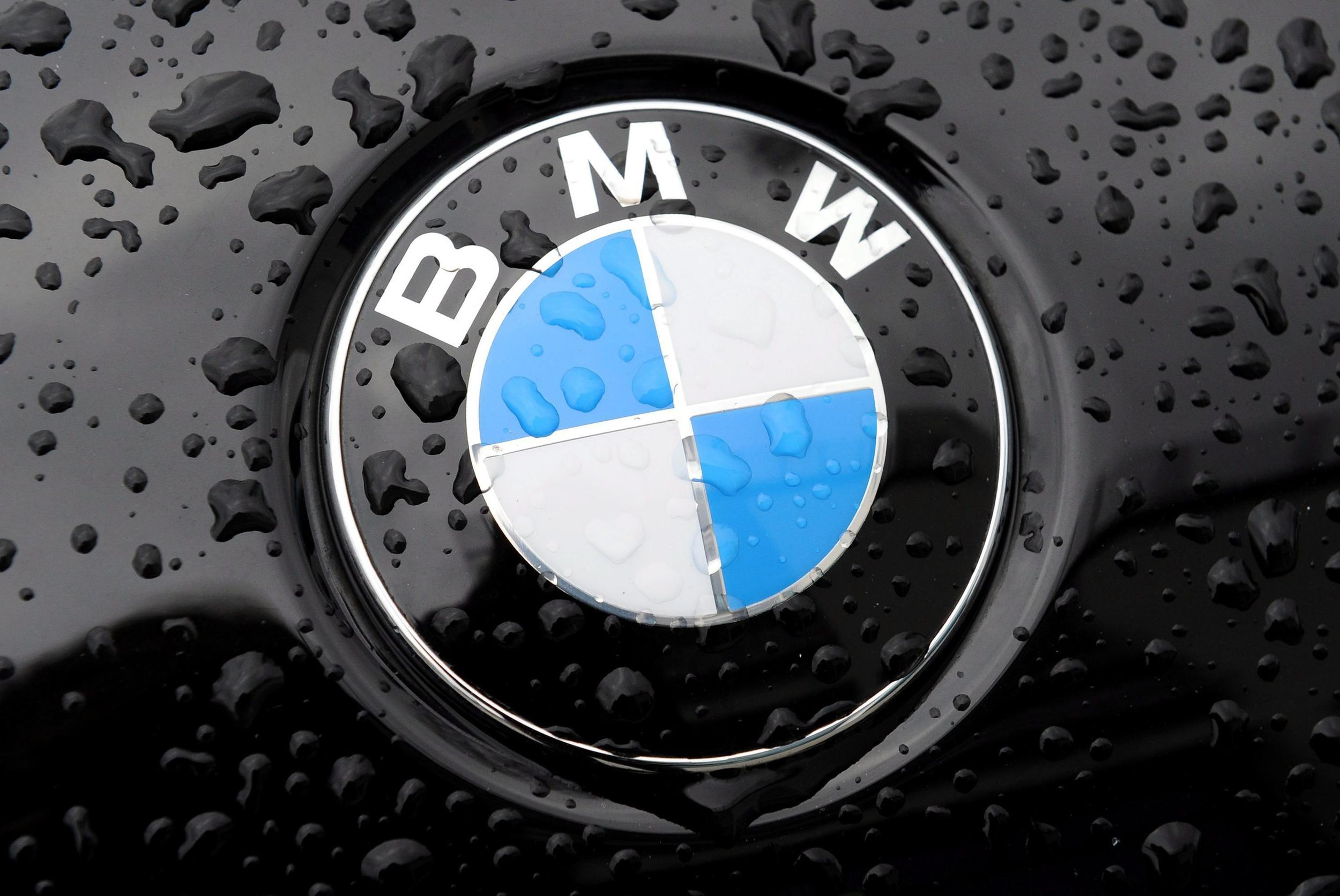 Bmw Recalls 156 000 Vehicles For Engine Stall Problems