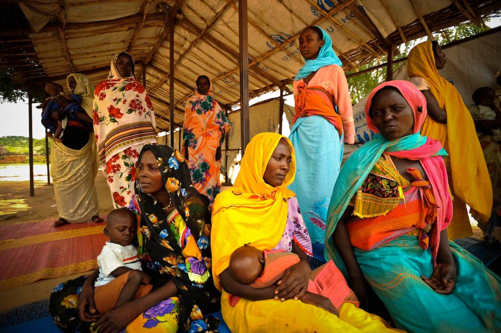 Image: Mothers with their babies in Chad