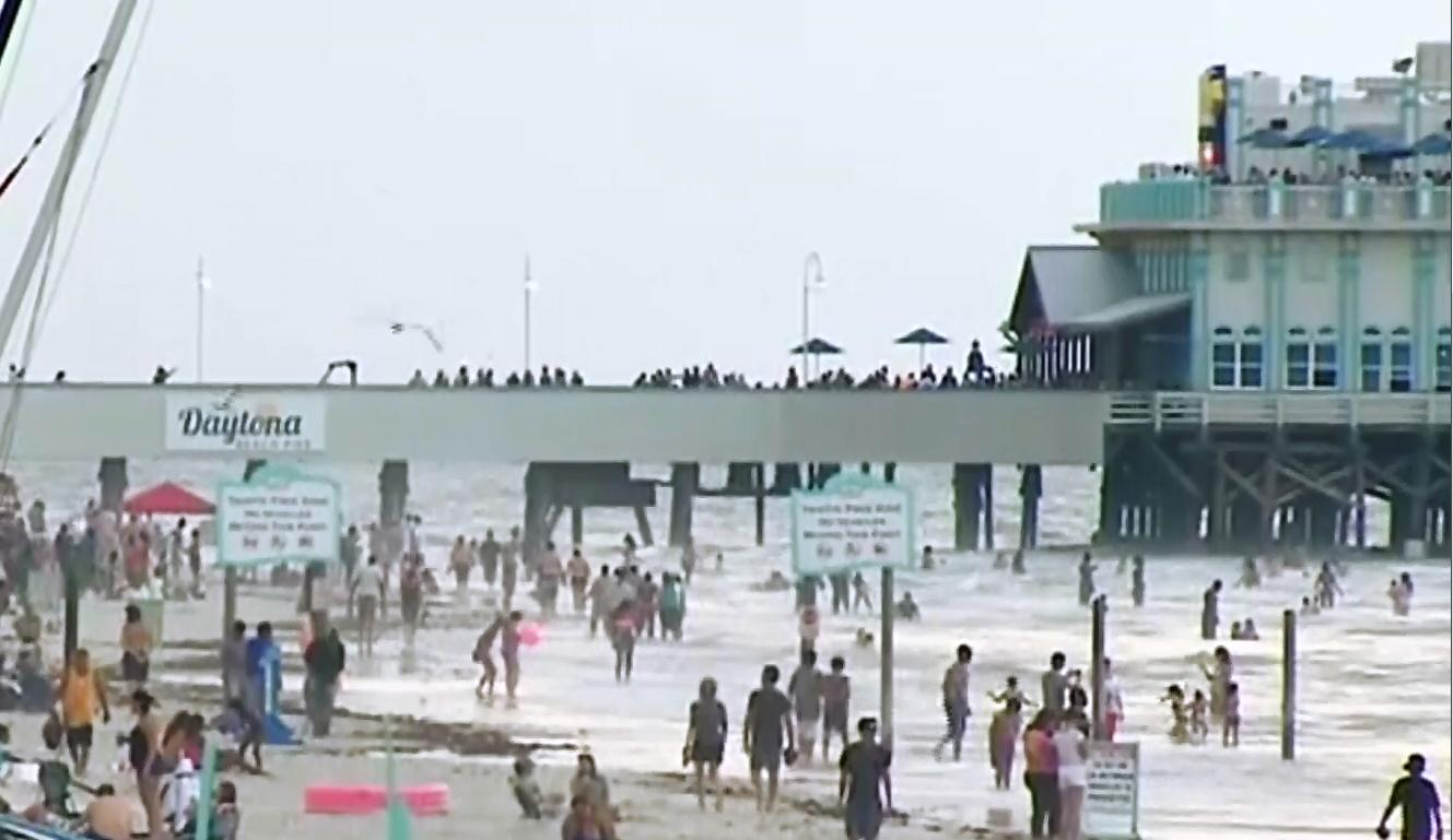 Image: 100 rescued from Florida rip currents
