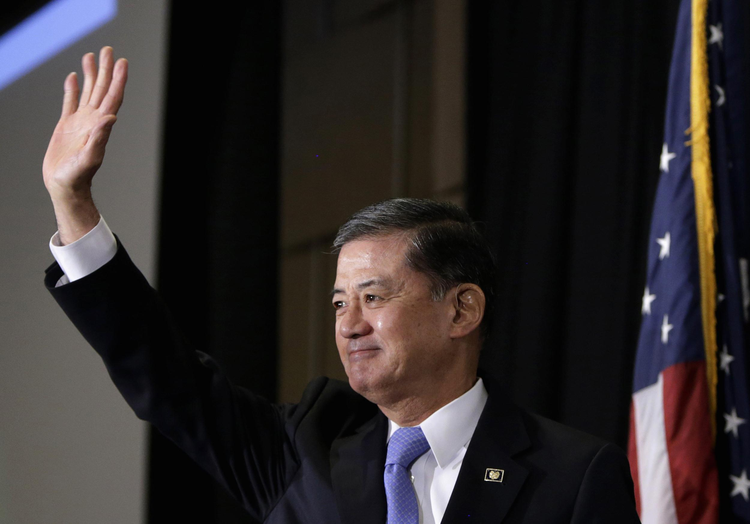 Image: United States Veterans Affairs Secretary Eric Shinseki arrives to address The National Coalition for Homeless Veterans conference in Washington