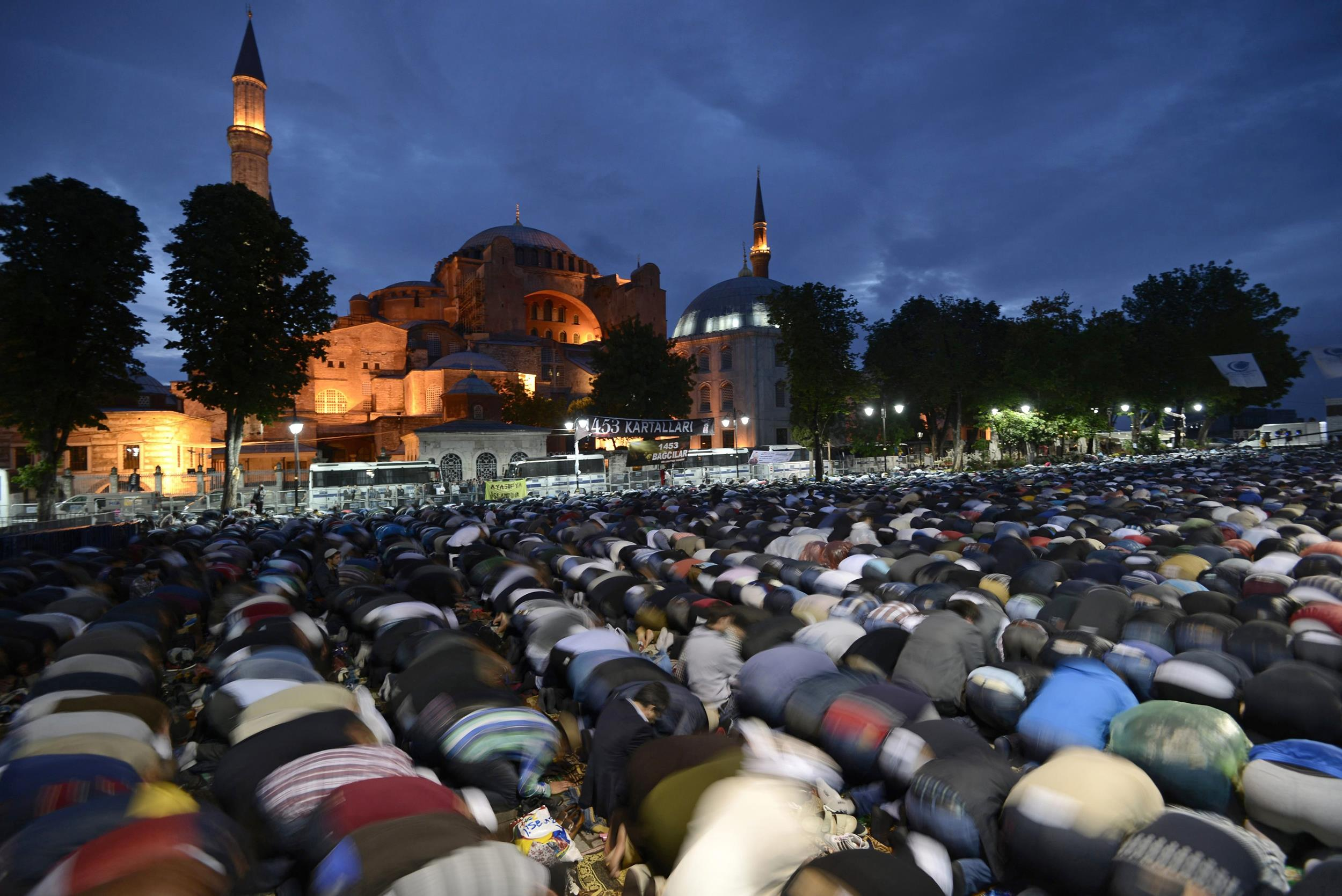 Protesters Pray For Turkey's Hagia Sophia to Become a Mosque