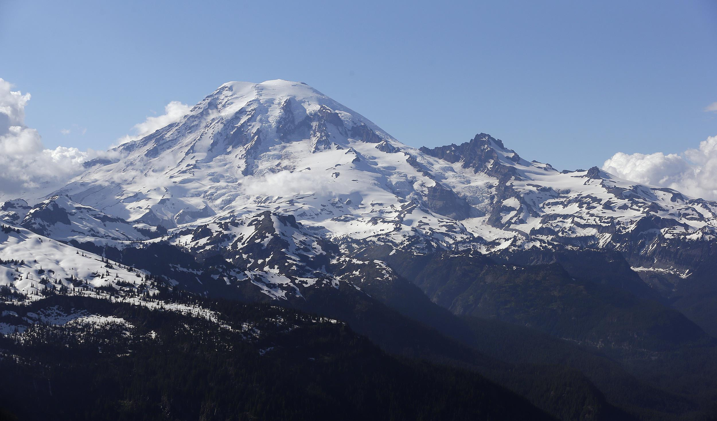 Image: Mount Rainier is seen from a helicopter on June 19, 2013