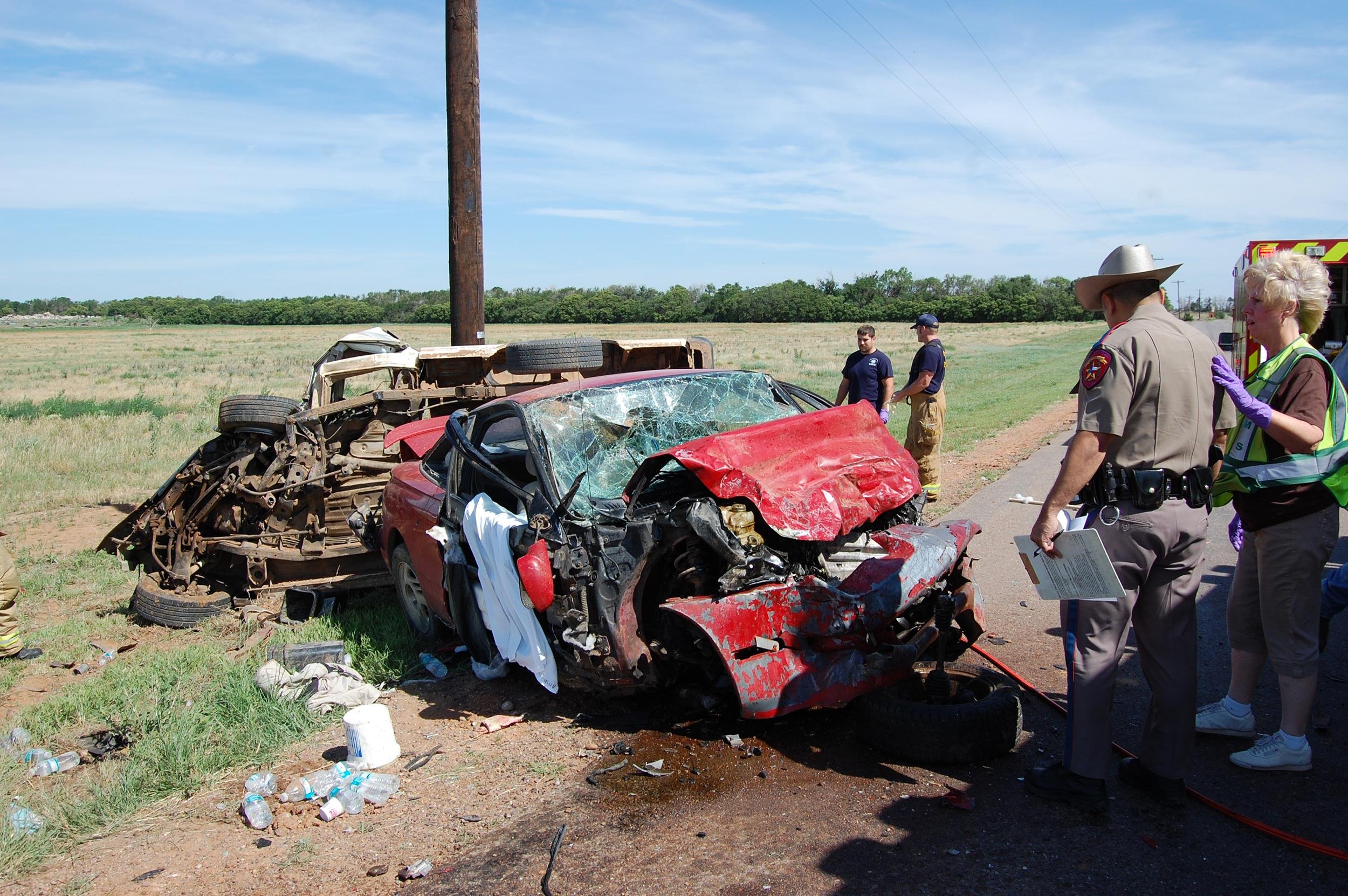 Image: A North Texas husband and wife have died when their vehicles collided head-on near where both work
