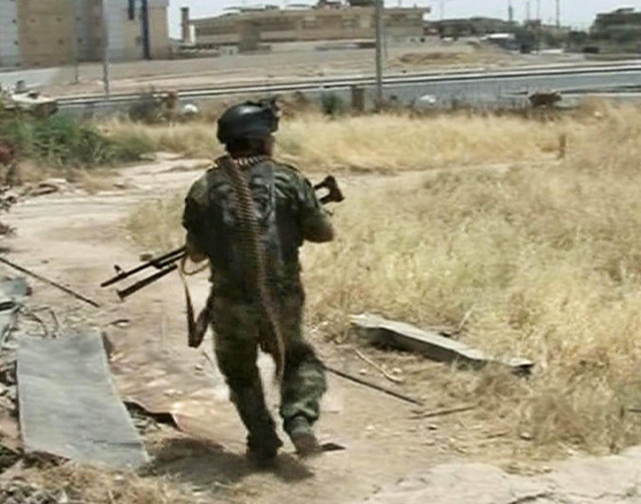 Image: Iraqi soldier in Mosul.