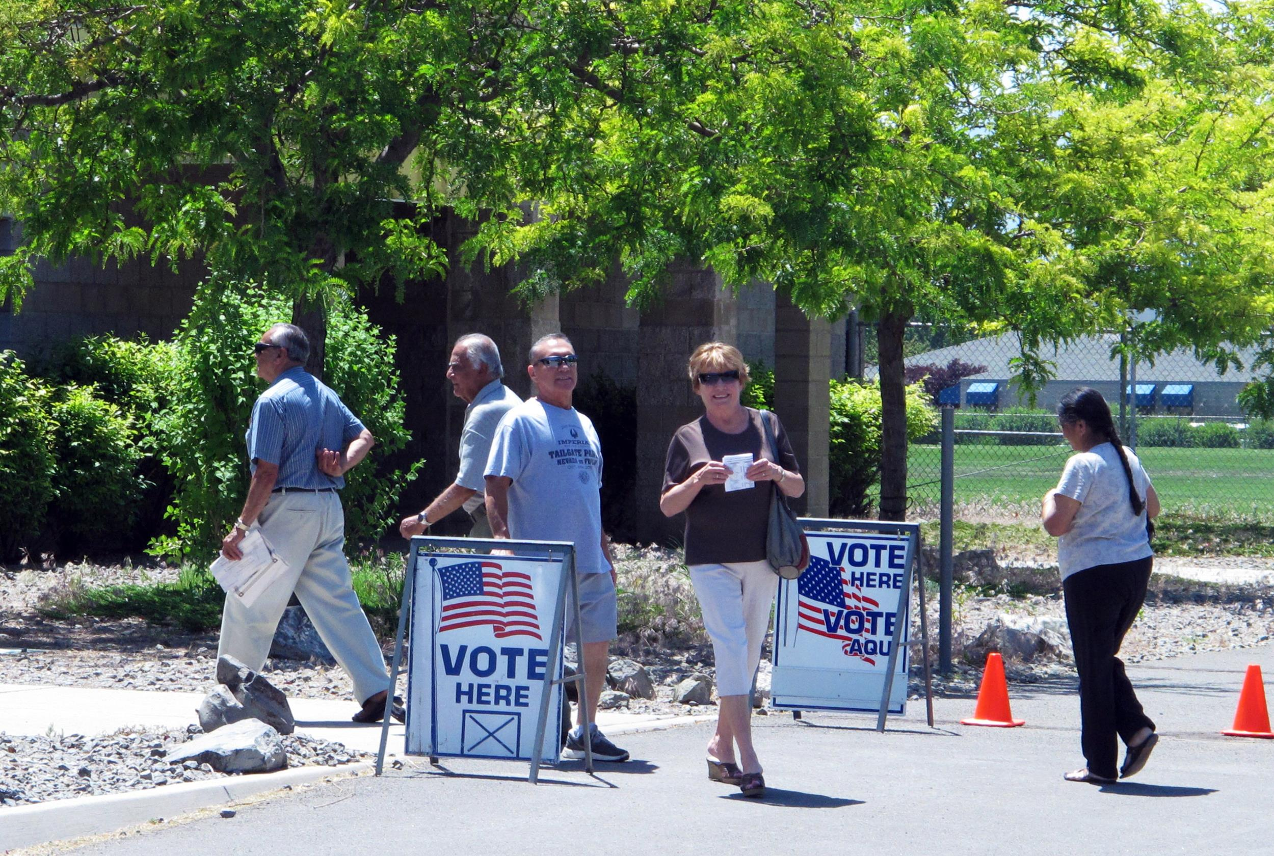 Image: Voters cast ballots in Nevada's primary election