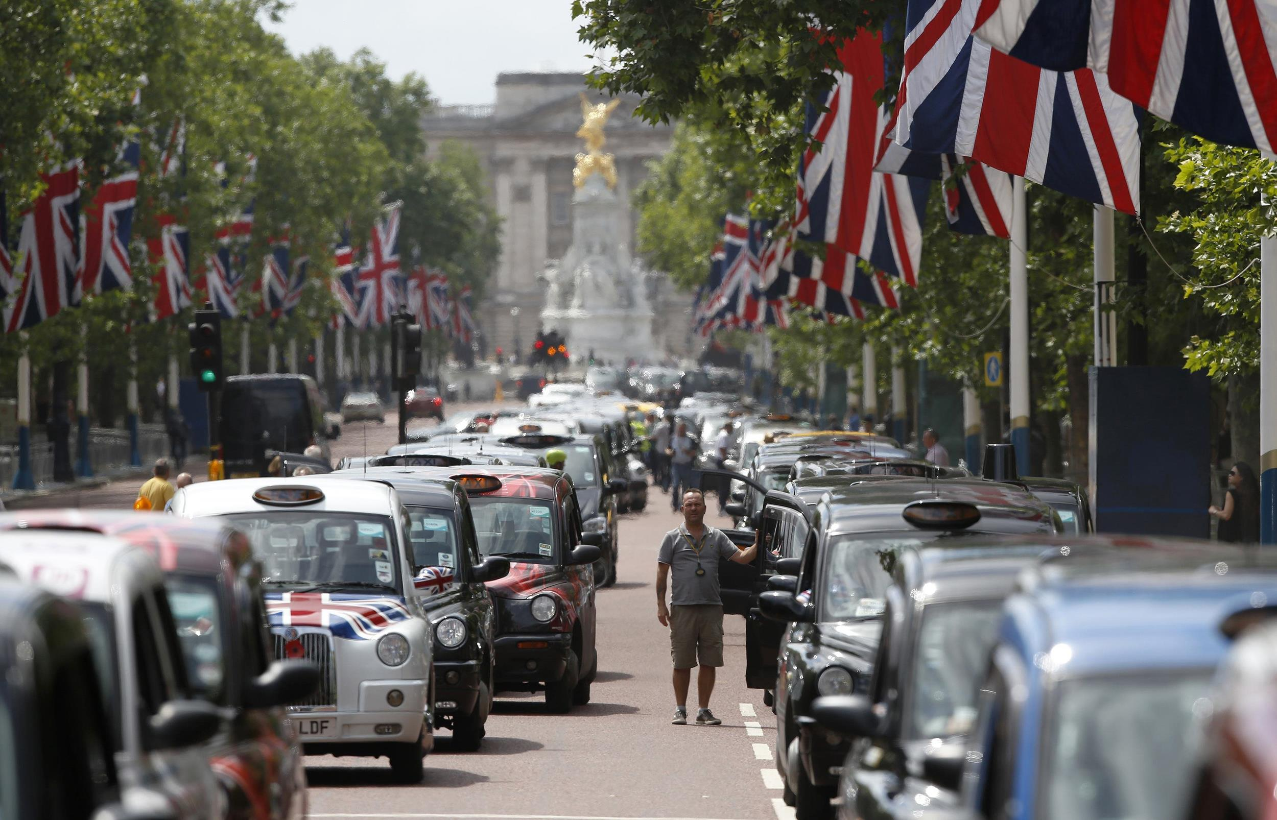 Image: Taxis block the Mall in central London