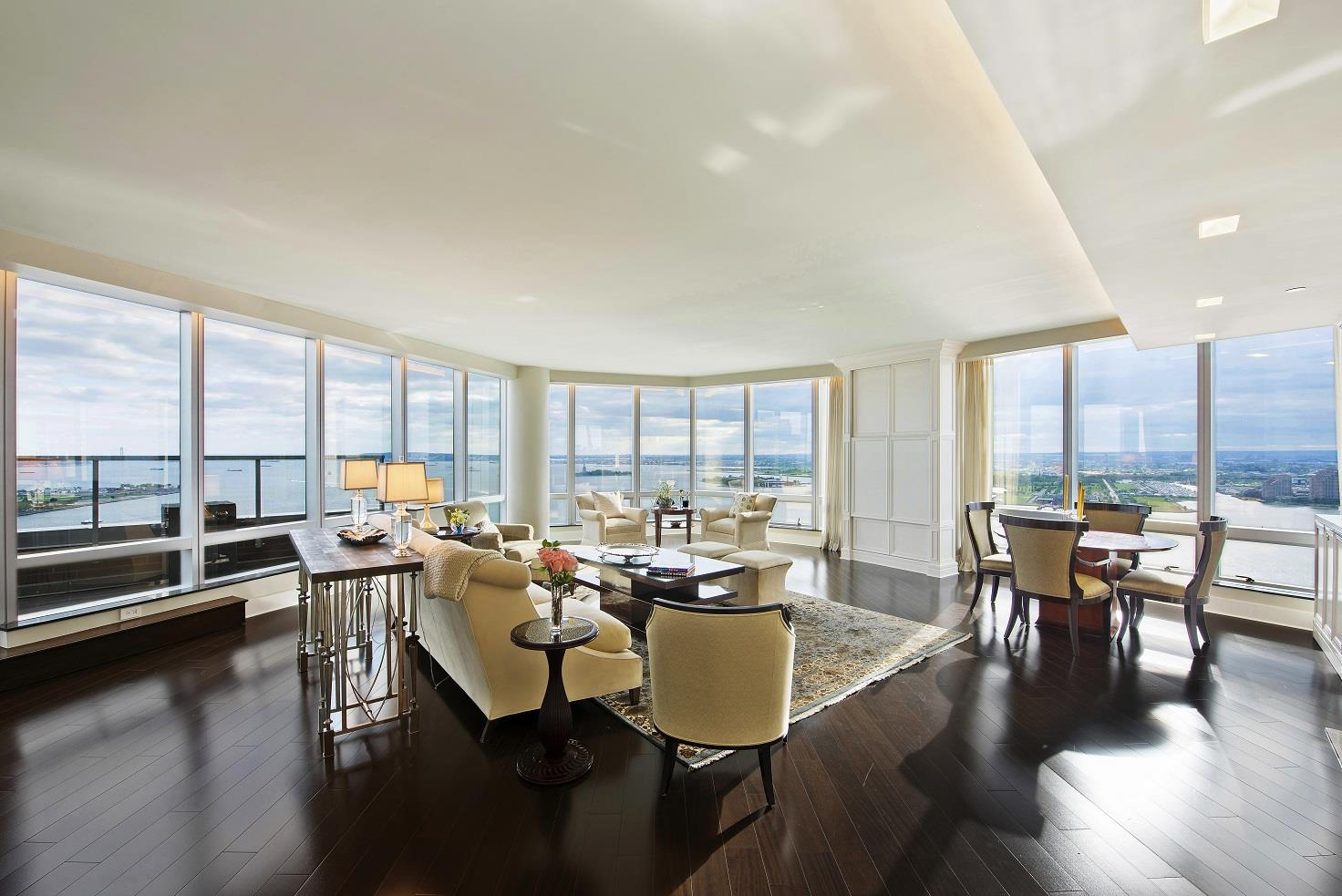 This Penthouse is now the highest-priced property in downtown Manhattan.