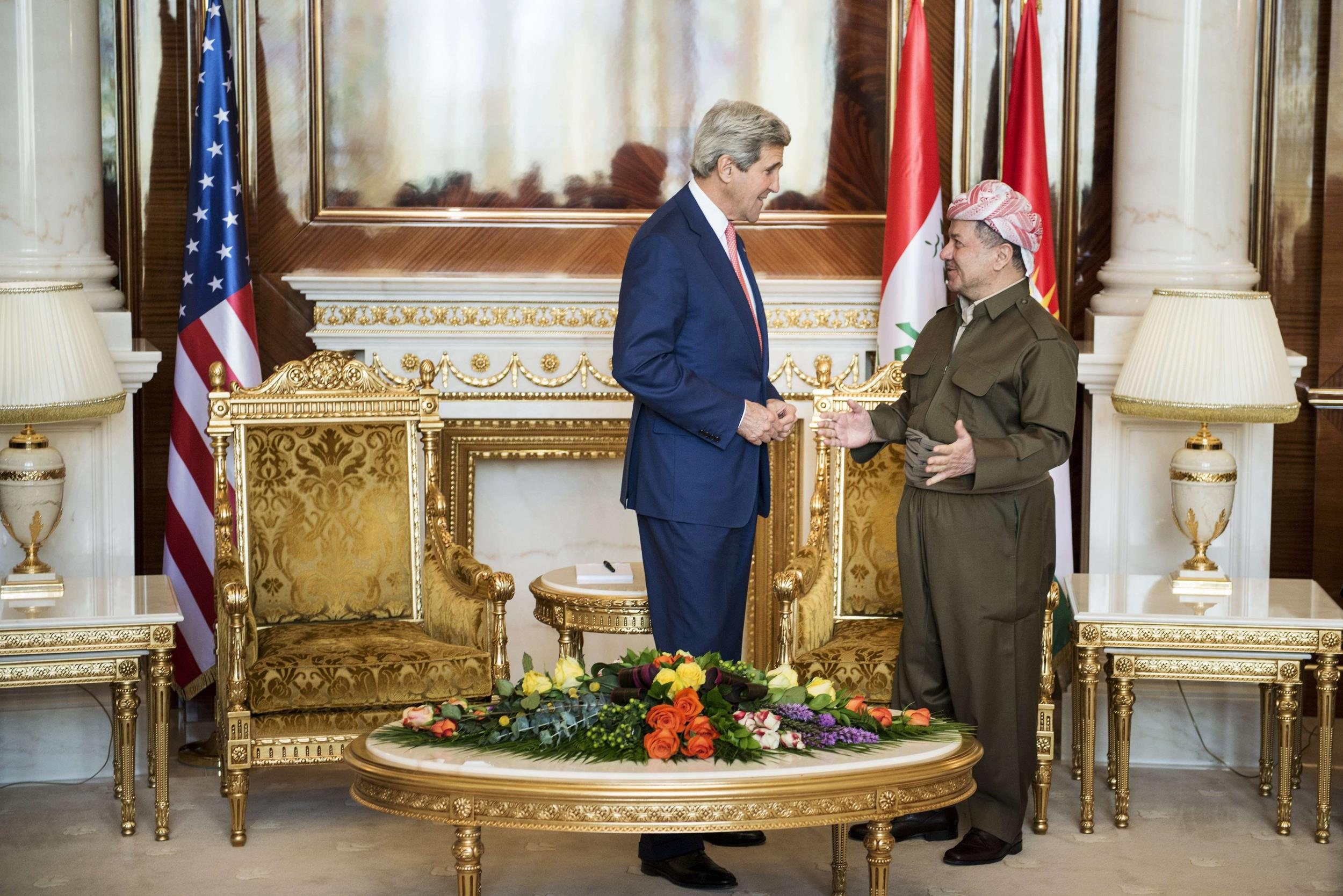 Image: Kurdistan Regional Government President Massud Barzani (R) and US Secretary of State John Kerry