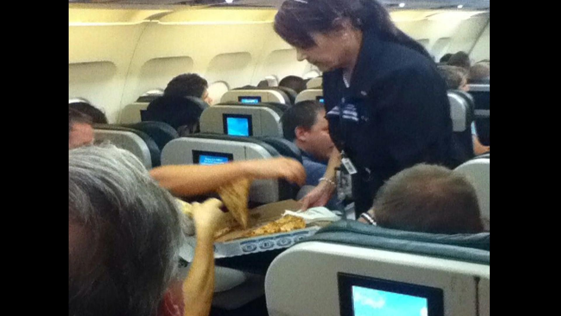 Image: pizza on plane