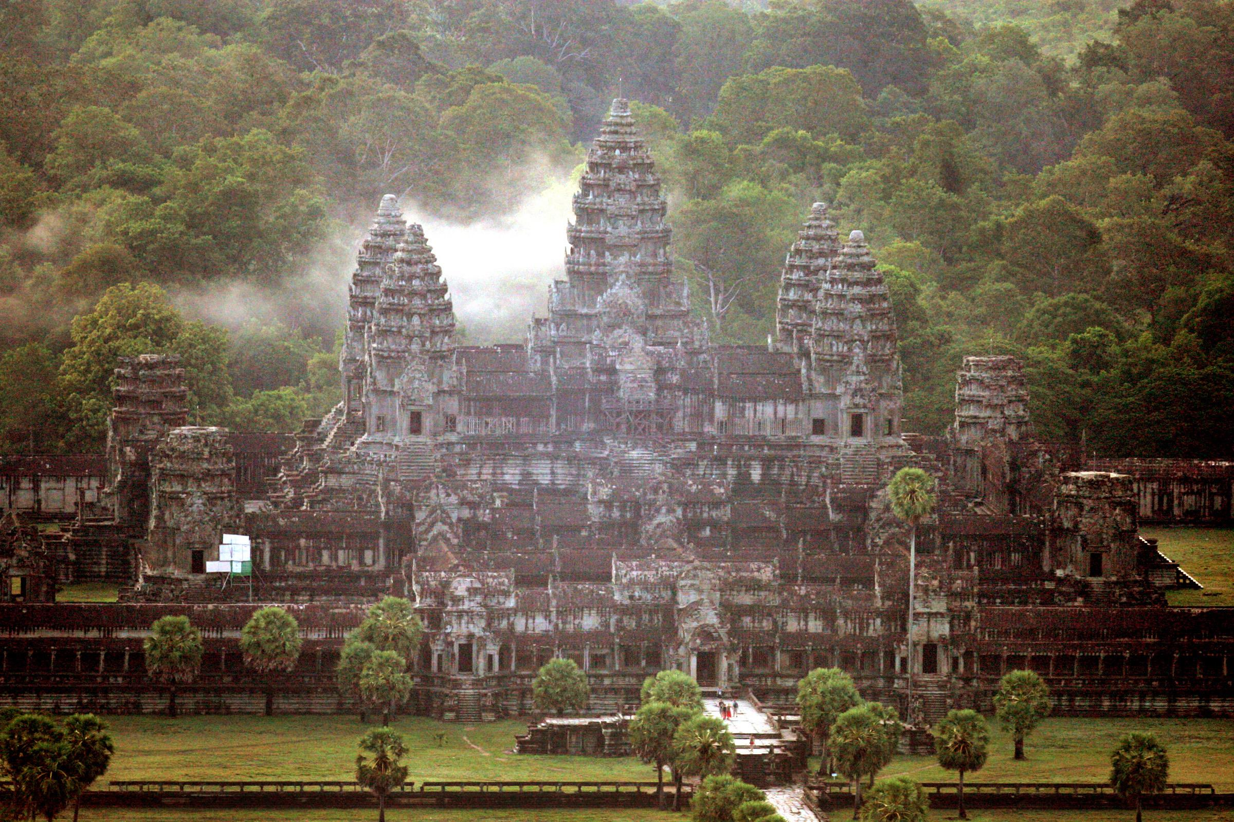 In cambodia toxic air threatens timeless ruins nbc news for E kitchen american cambodia