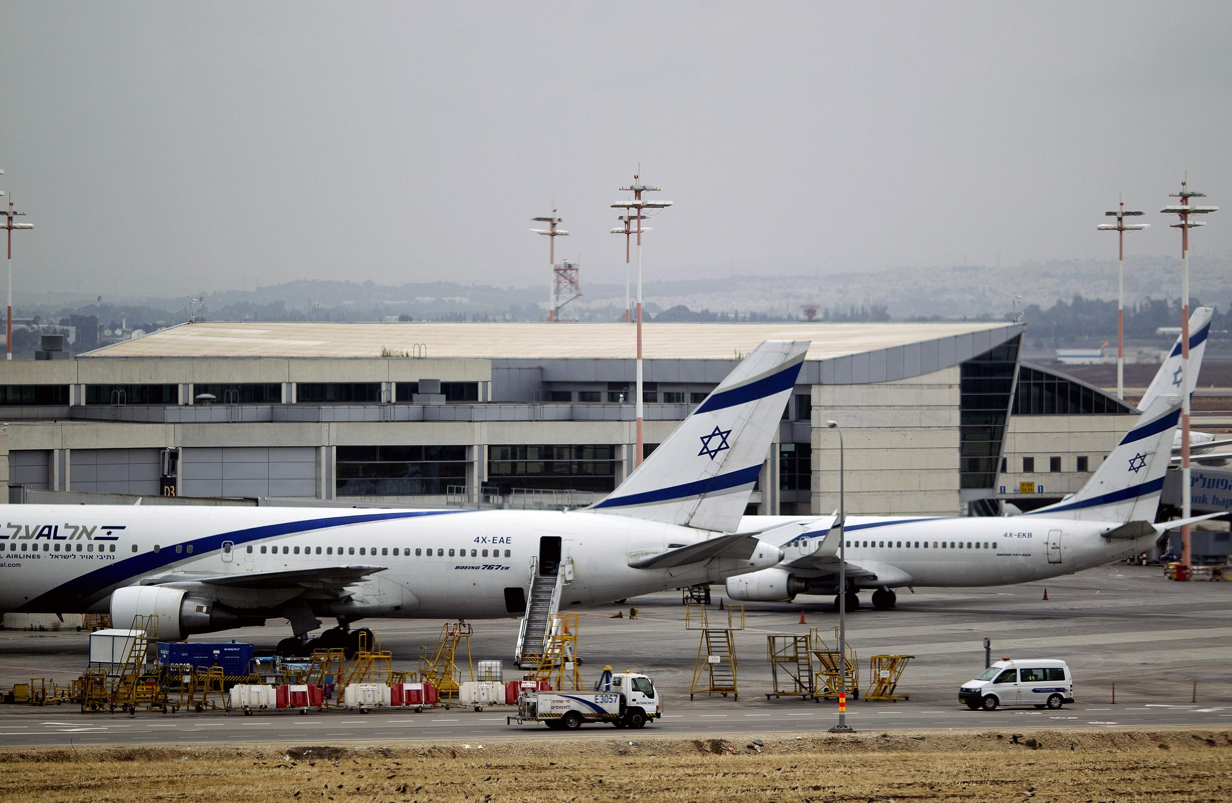 hamas militants to airlines we re targeting ben gurion