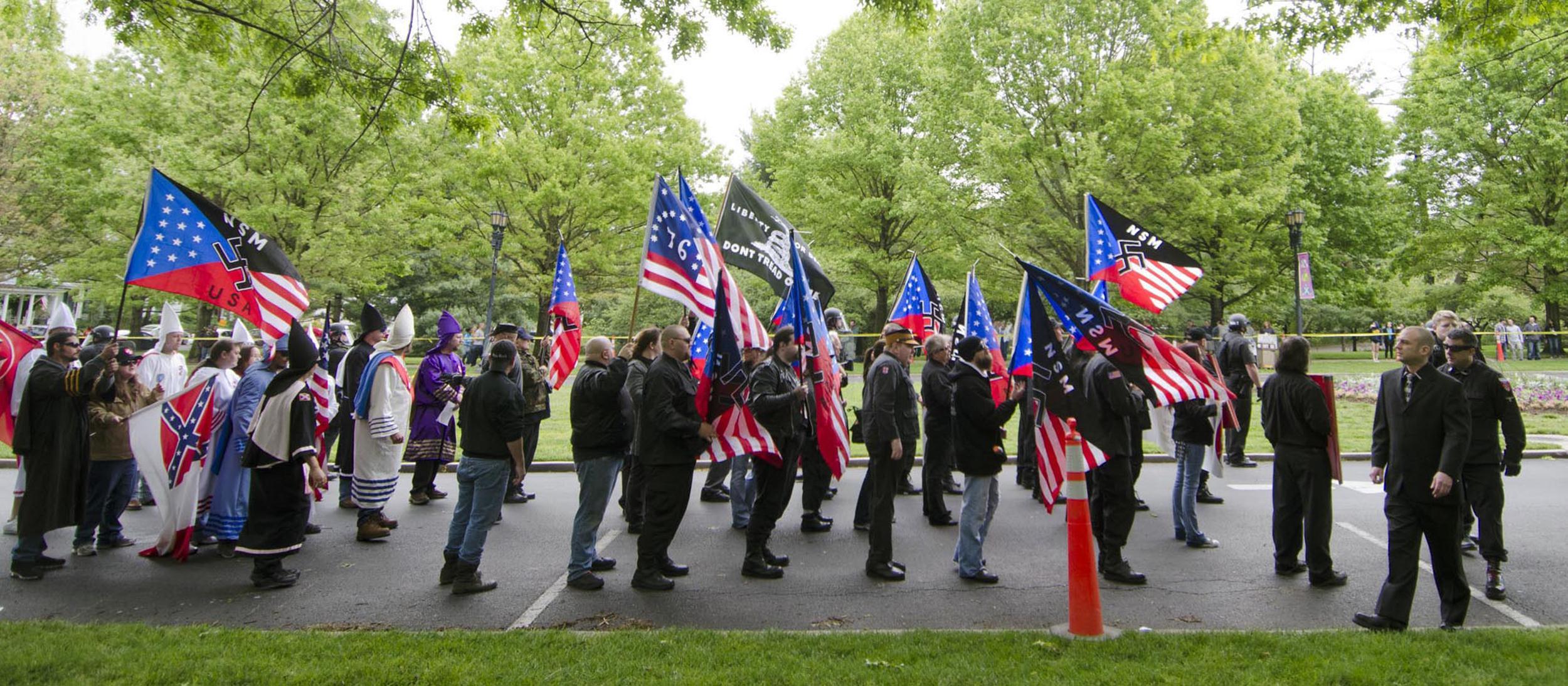 KKK Capitalizing on Border Crisis to Recruit New Members