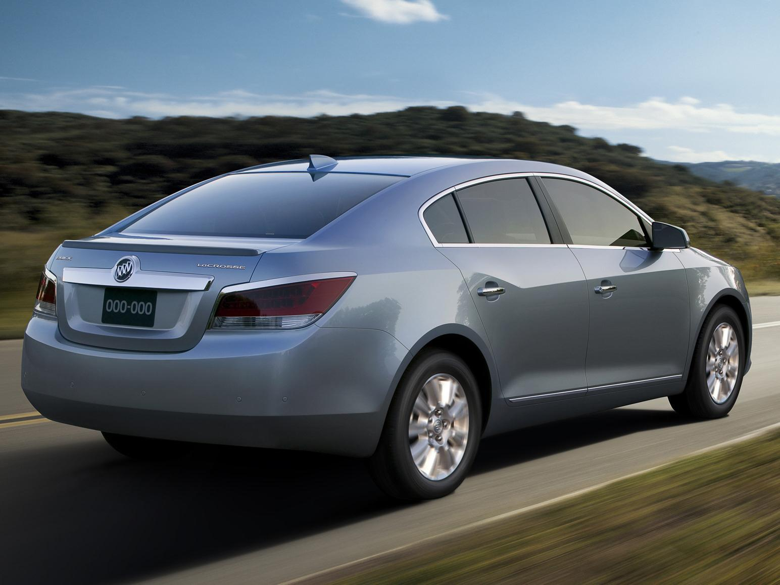 A Buick LaCrosse, one of the used cars recommended for teenage drivers by the Insurance Institute for Highway Safety.