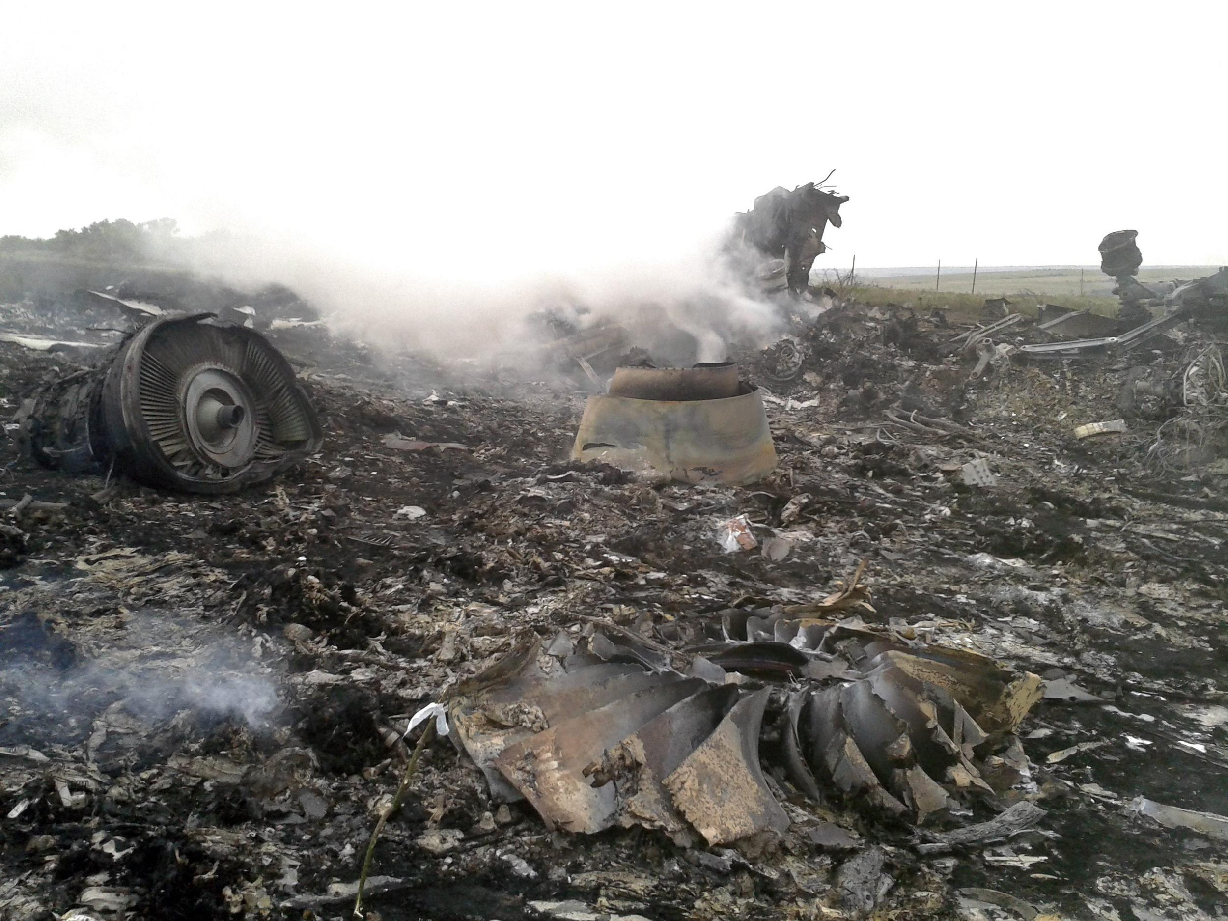 malaysia airlines crash debris - photo #38