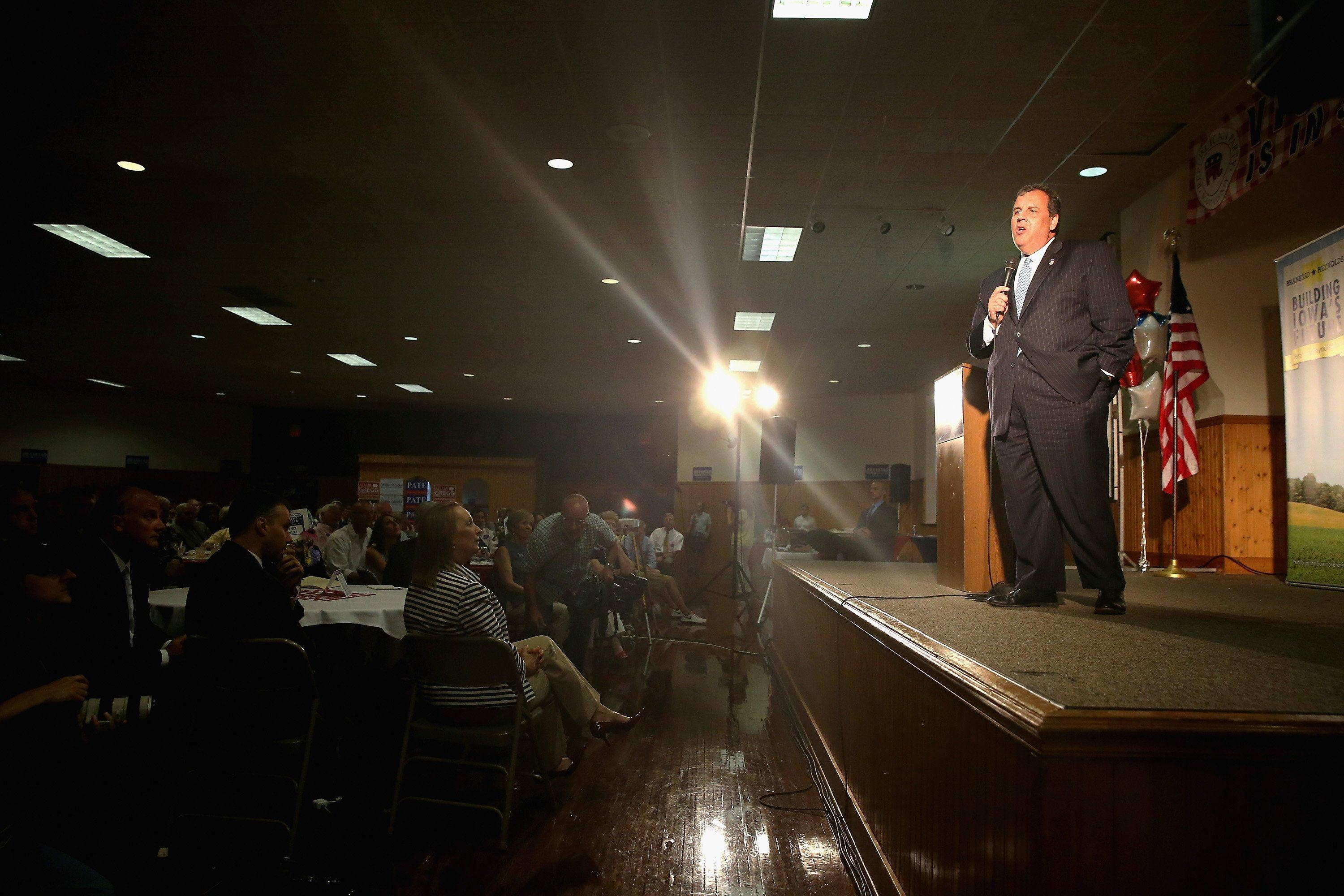 Image: NJ Gov And RGA Chairman Chris Christie Appears With Iowa's Governor At Davenport Fairgrounds
