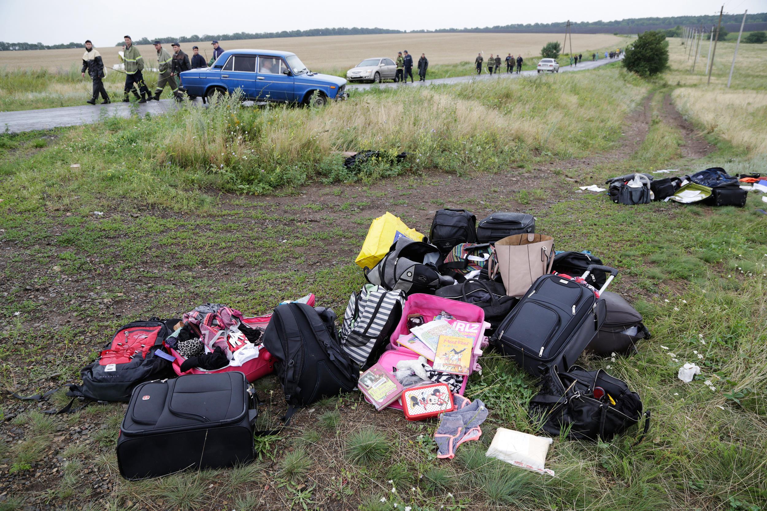 Plane Crash Bodies Photos Reports of mh17 victims'
