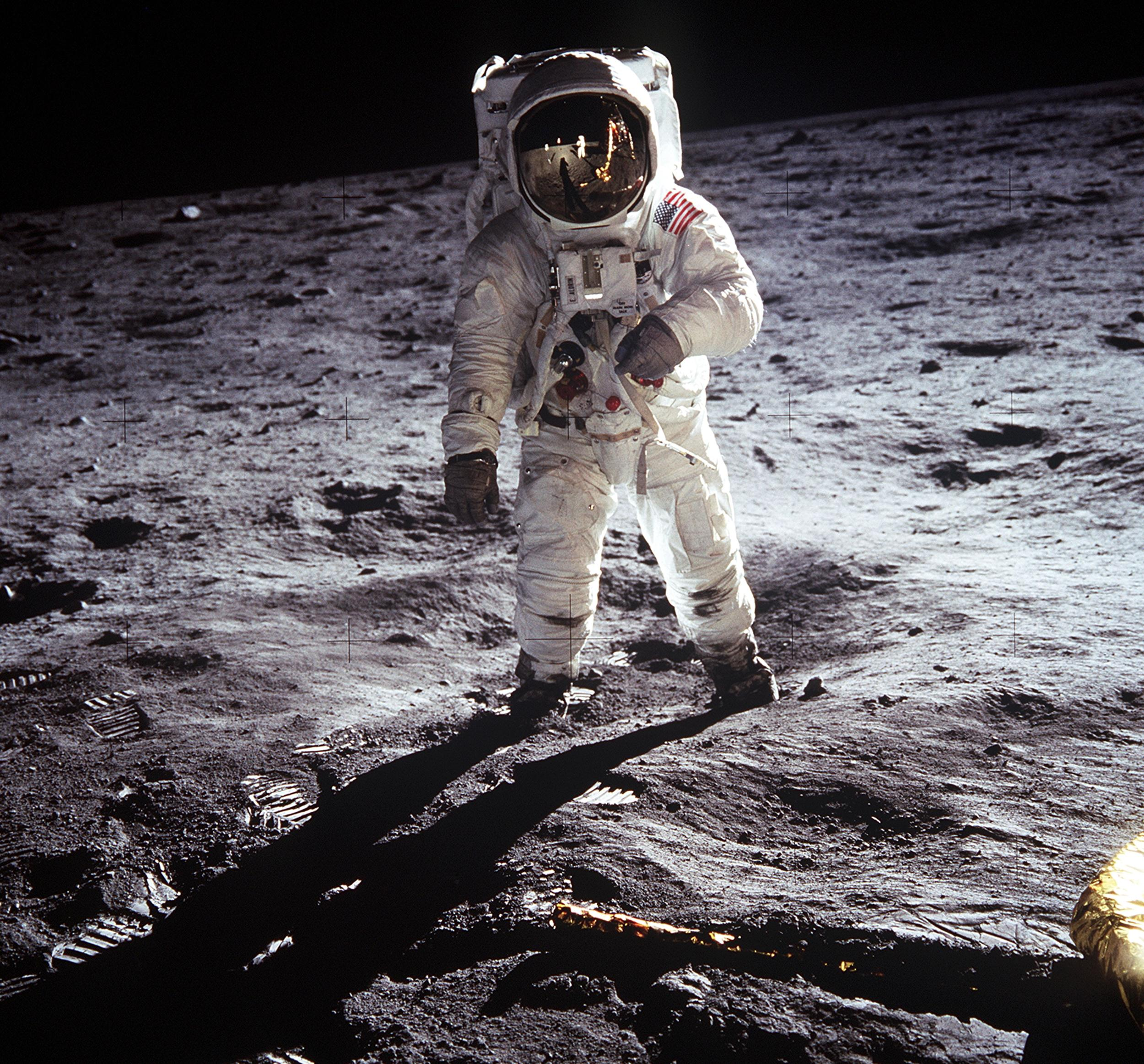 apollo 11 mission landing on the moon - photo #3