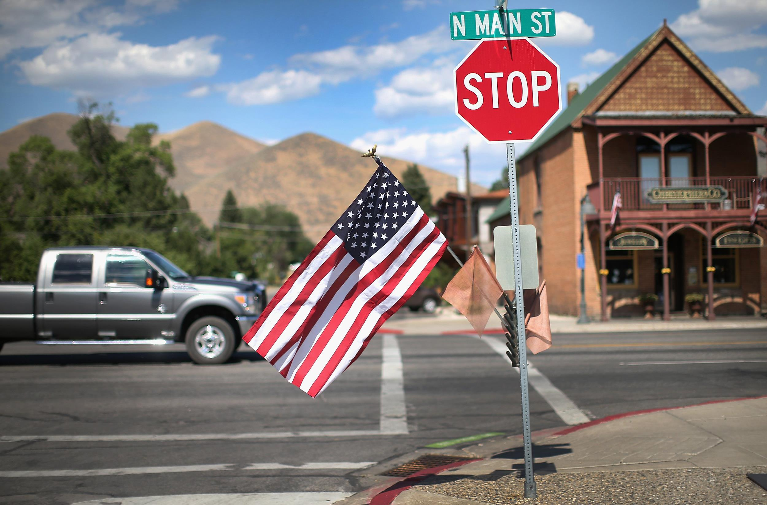 Image:An American flags flies along Main Street in Hailey, Idaho