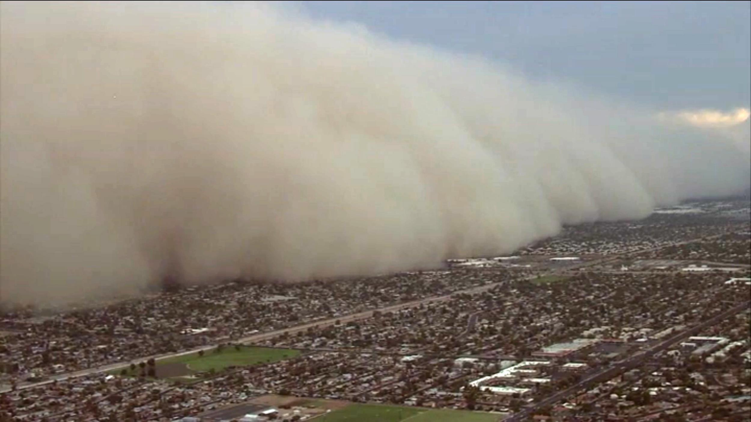 Towering Dust Storm Smothers Phoenix Area General News