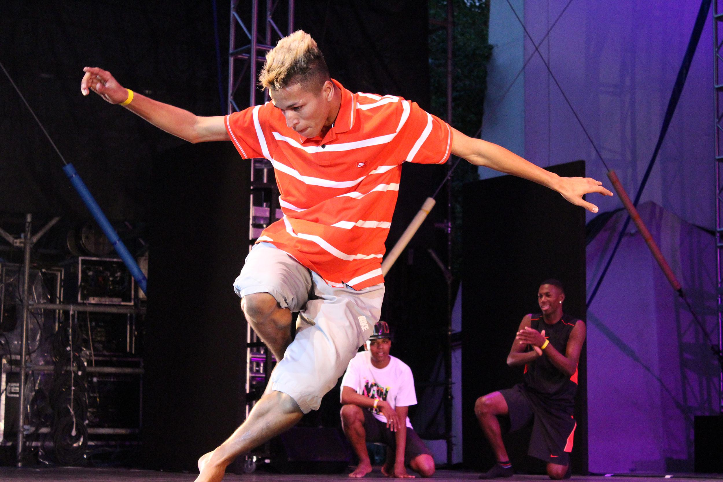 Image: Each dancer only has 45 seconds on stage to win Batalha do Passinho, the fast-paced Brazilian dance battle.