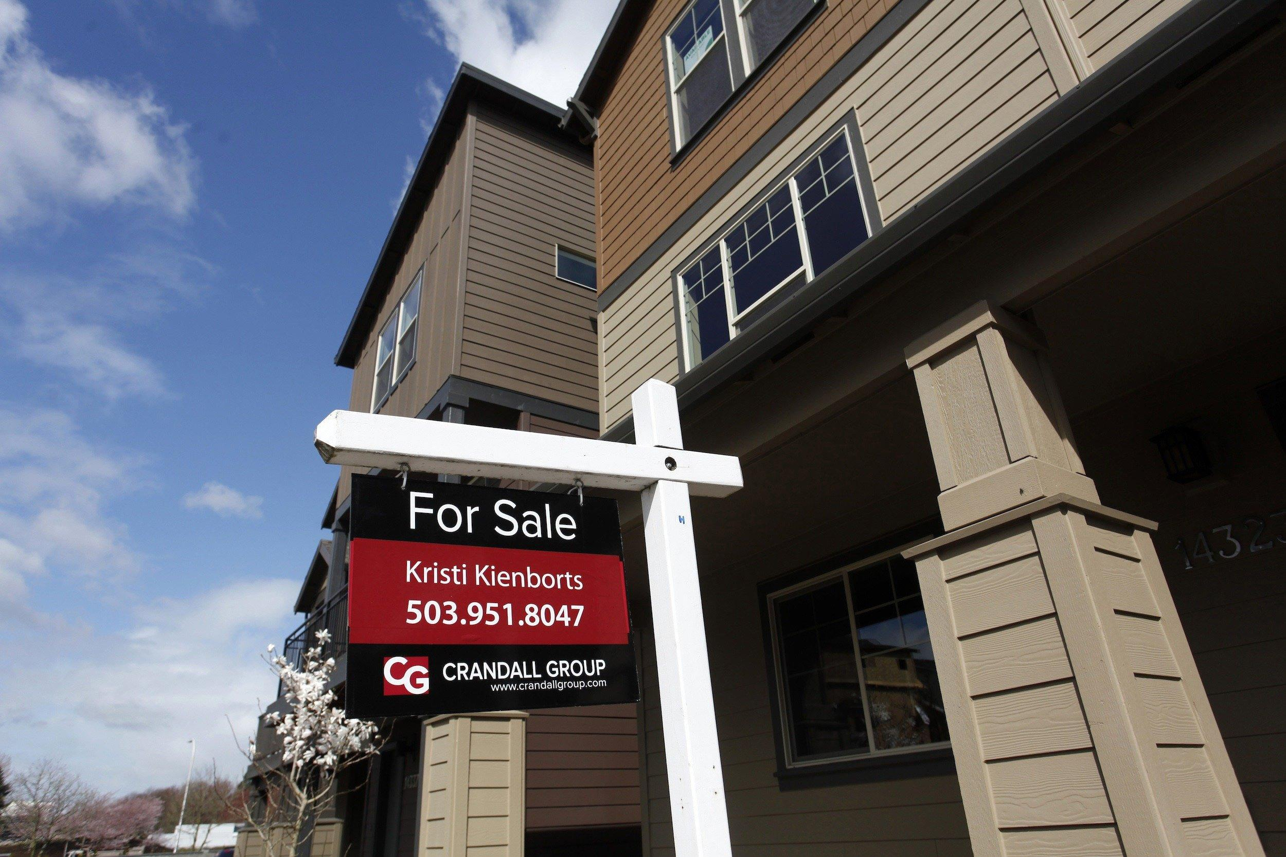 The number of home owners in the U.S. has fallen to its lowest in 19 years.