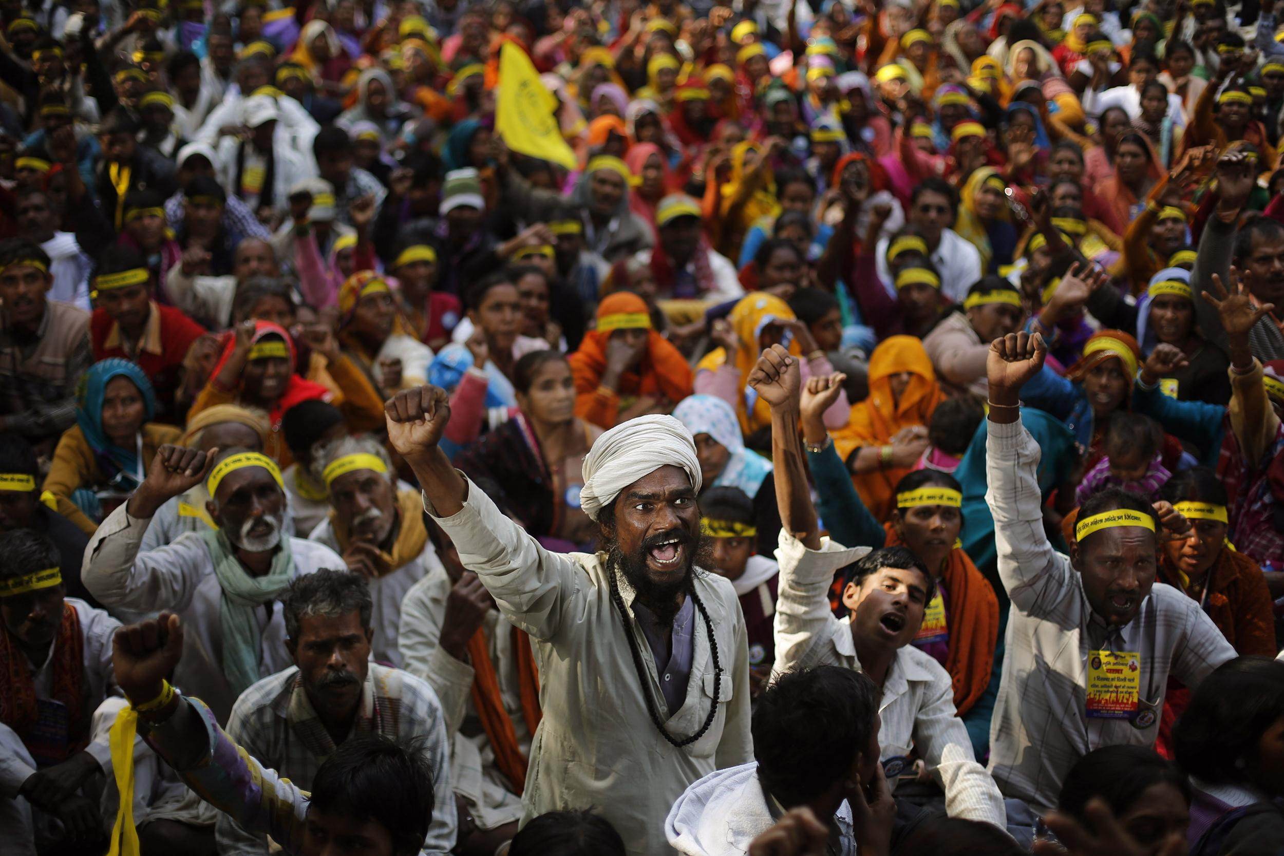 Image: Indian dalits, or untouchables, shout slogans demanding equal growth opportunities