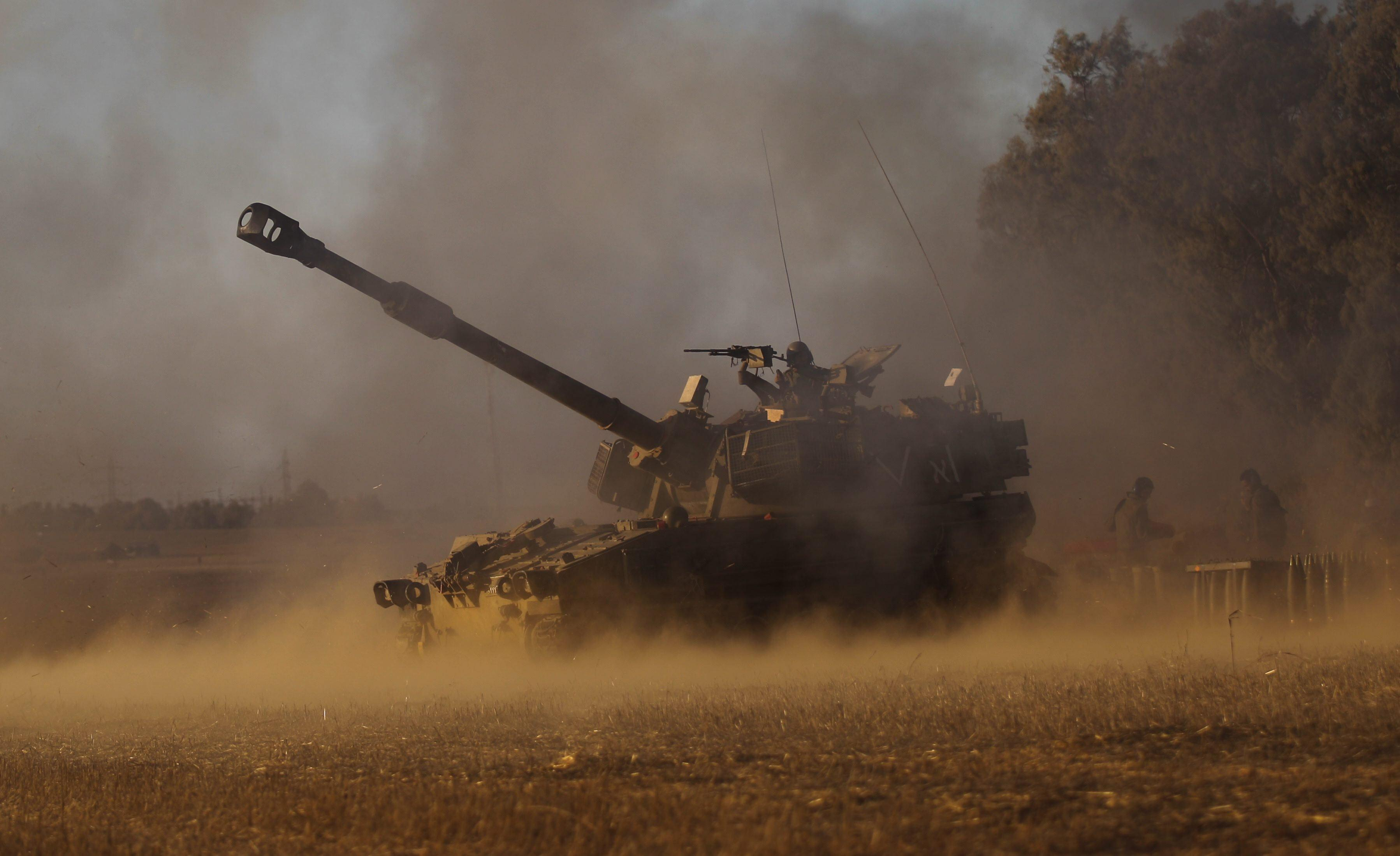 Image: Israelis hit Gaza and search for missing soldier