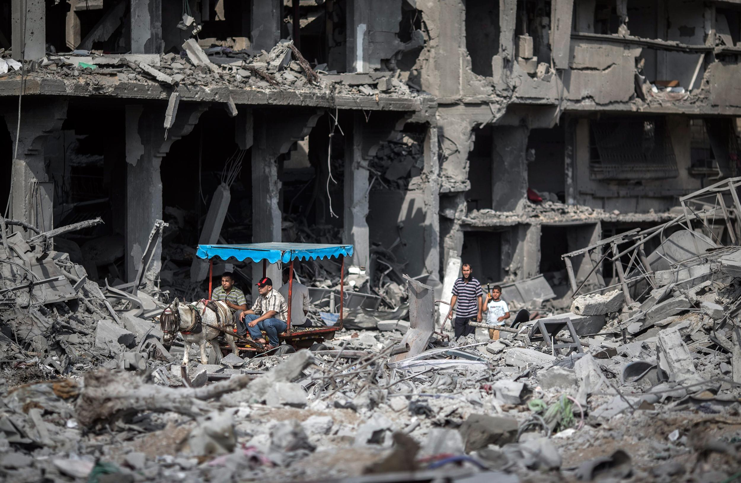Returning Gaza Civilians Find Scene Like an