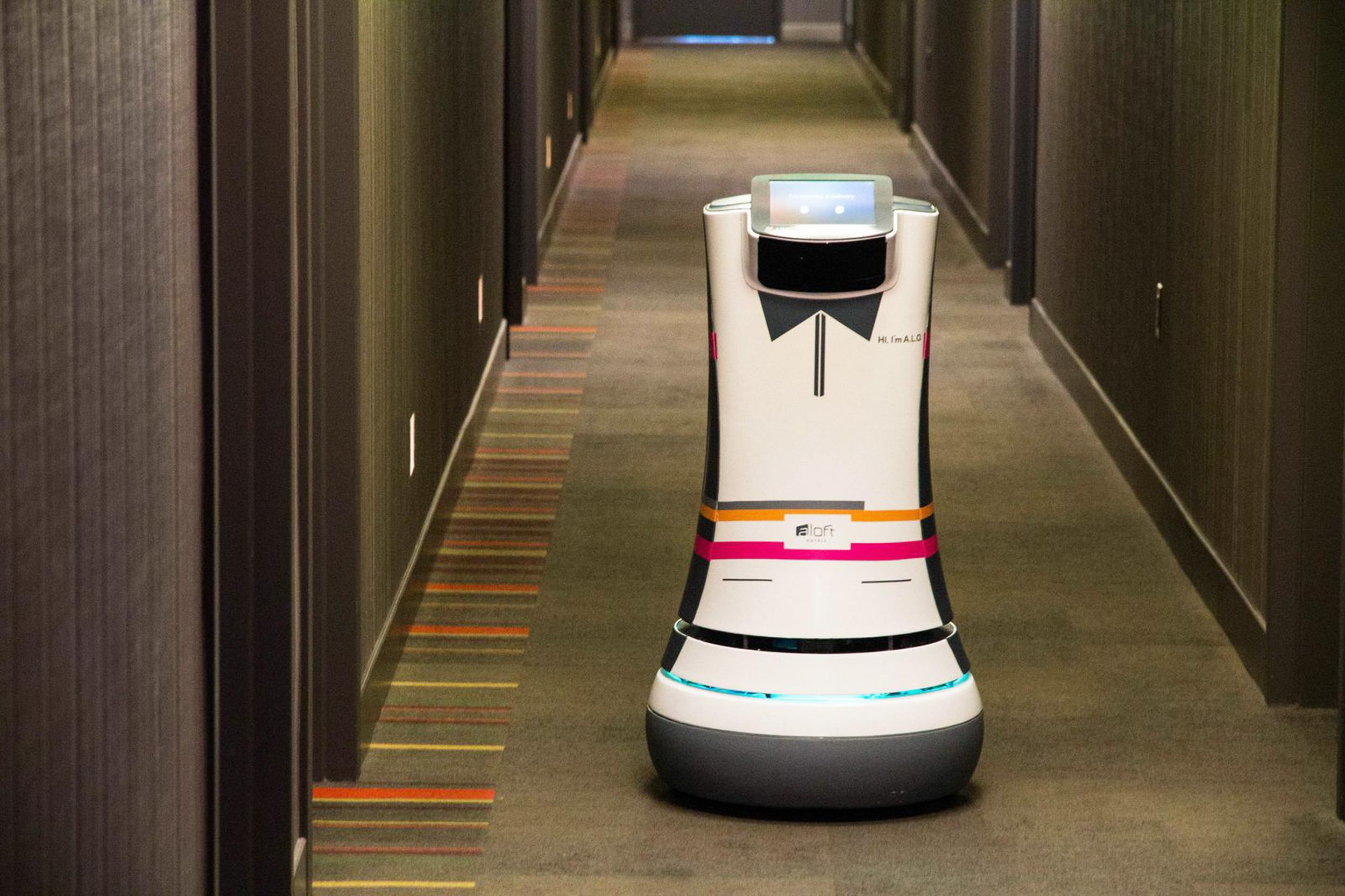 Robot Butlers Roll Into Action At Starwood Hotels Nbc News