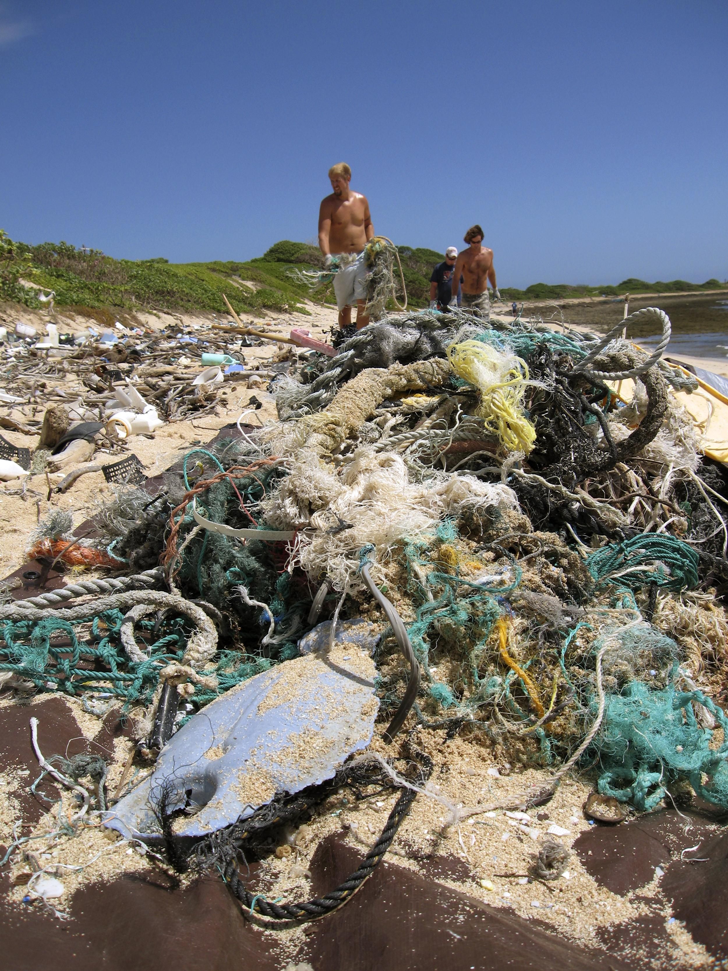 Image: Debris washes ashore the main Hawaiian Islands from the Great Pacific Garbage Patch in June 2006.