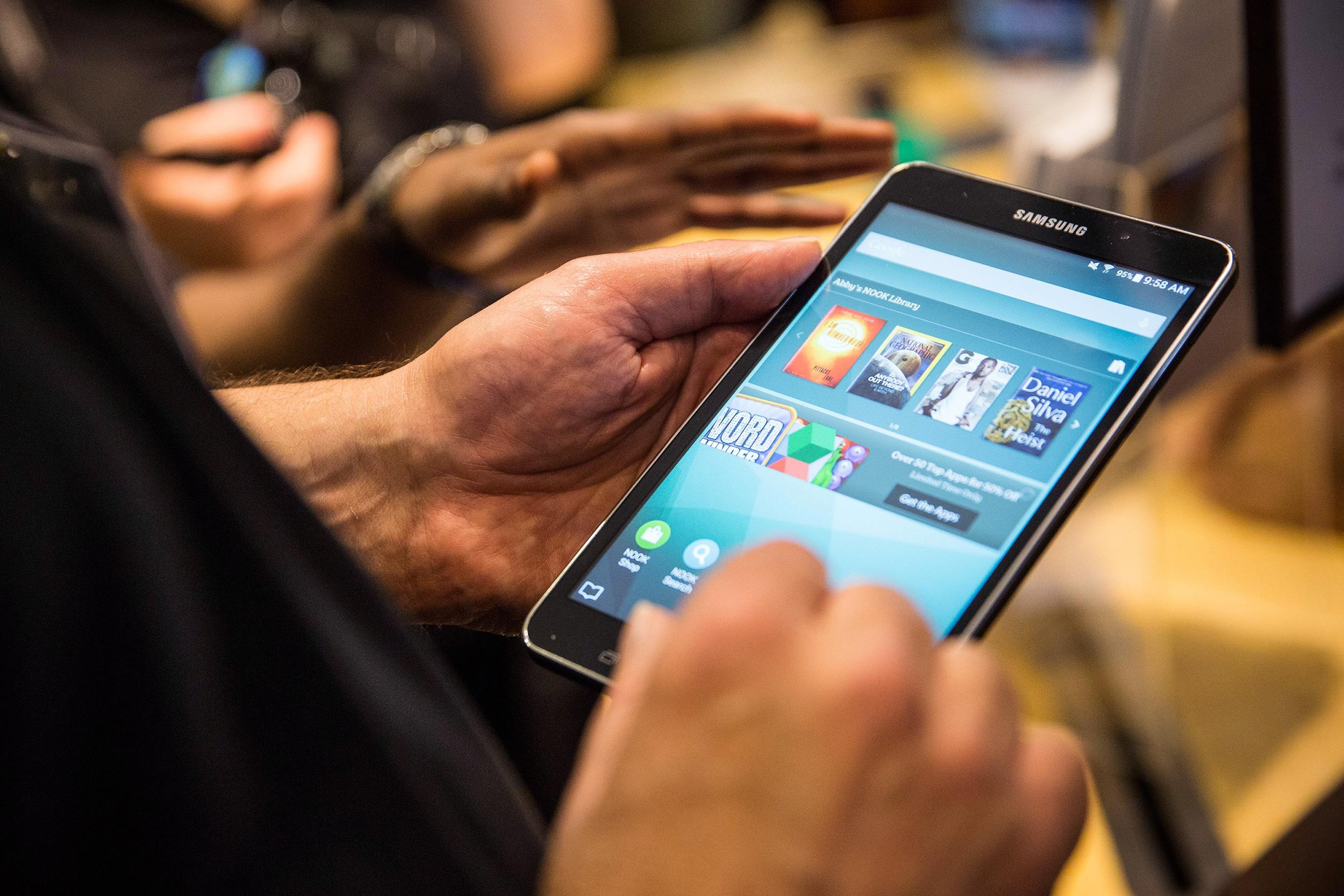 Image: Samsung and Barnes & Noble announce new joint device