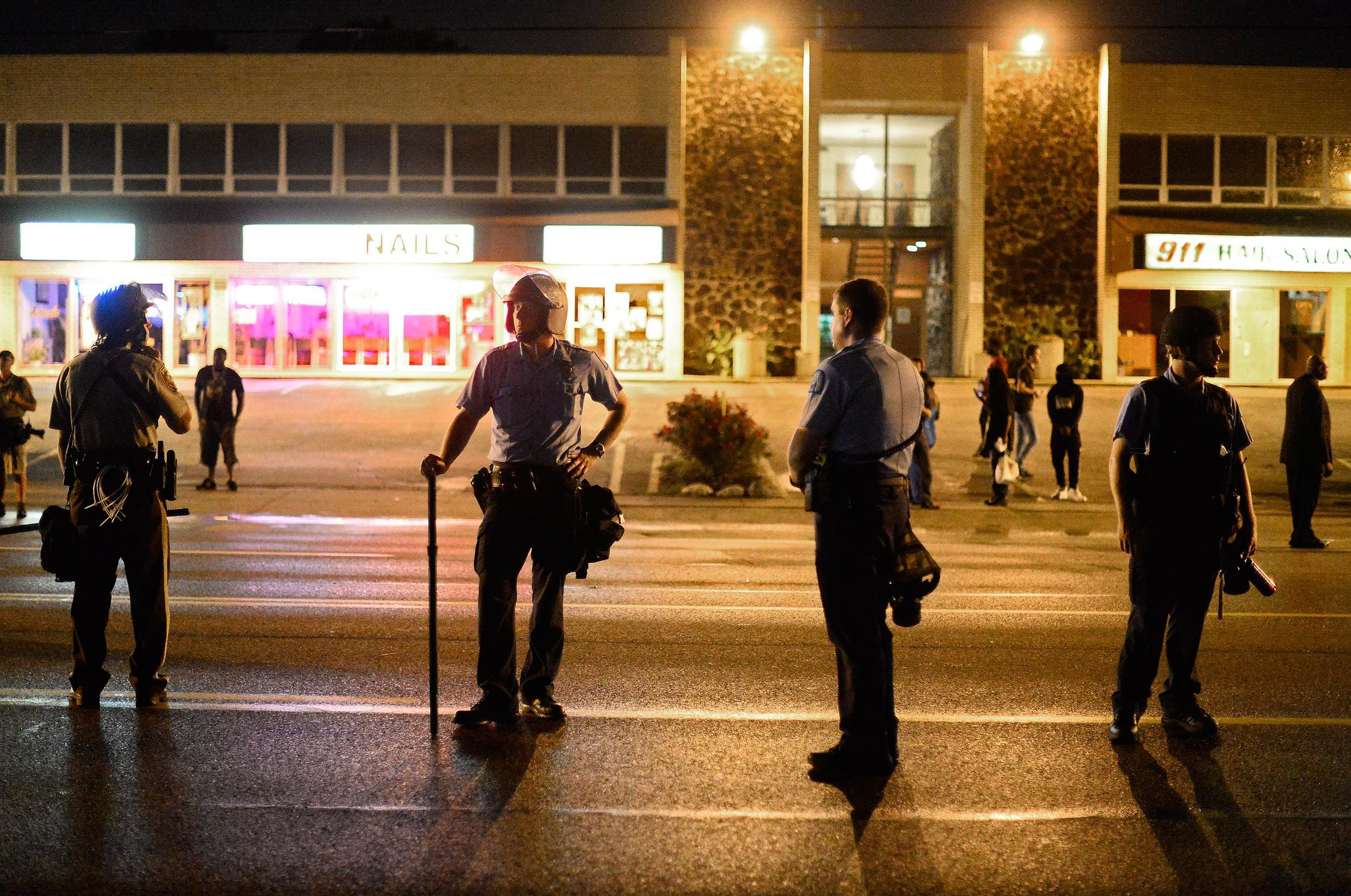 Image: Protests continue over Michael Brown shooting