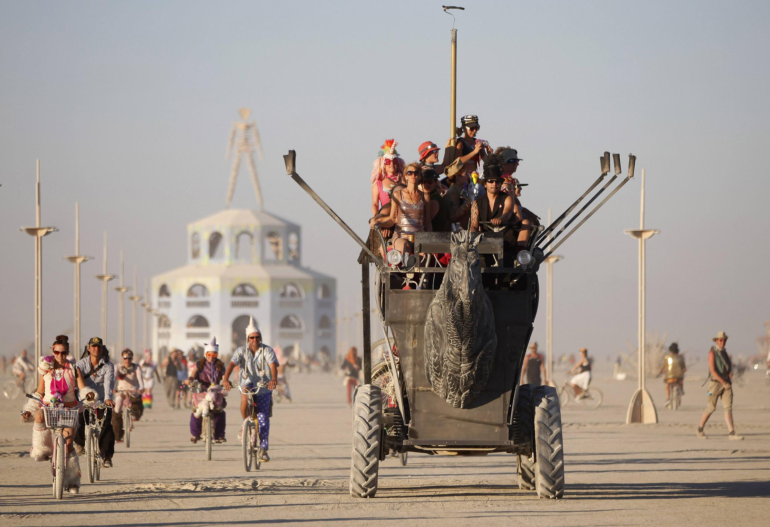 How Housing Experiments At Burning Man Could Help Refugees
