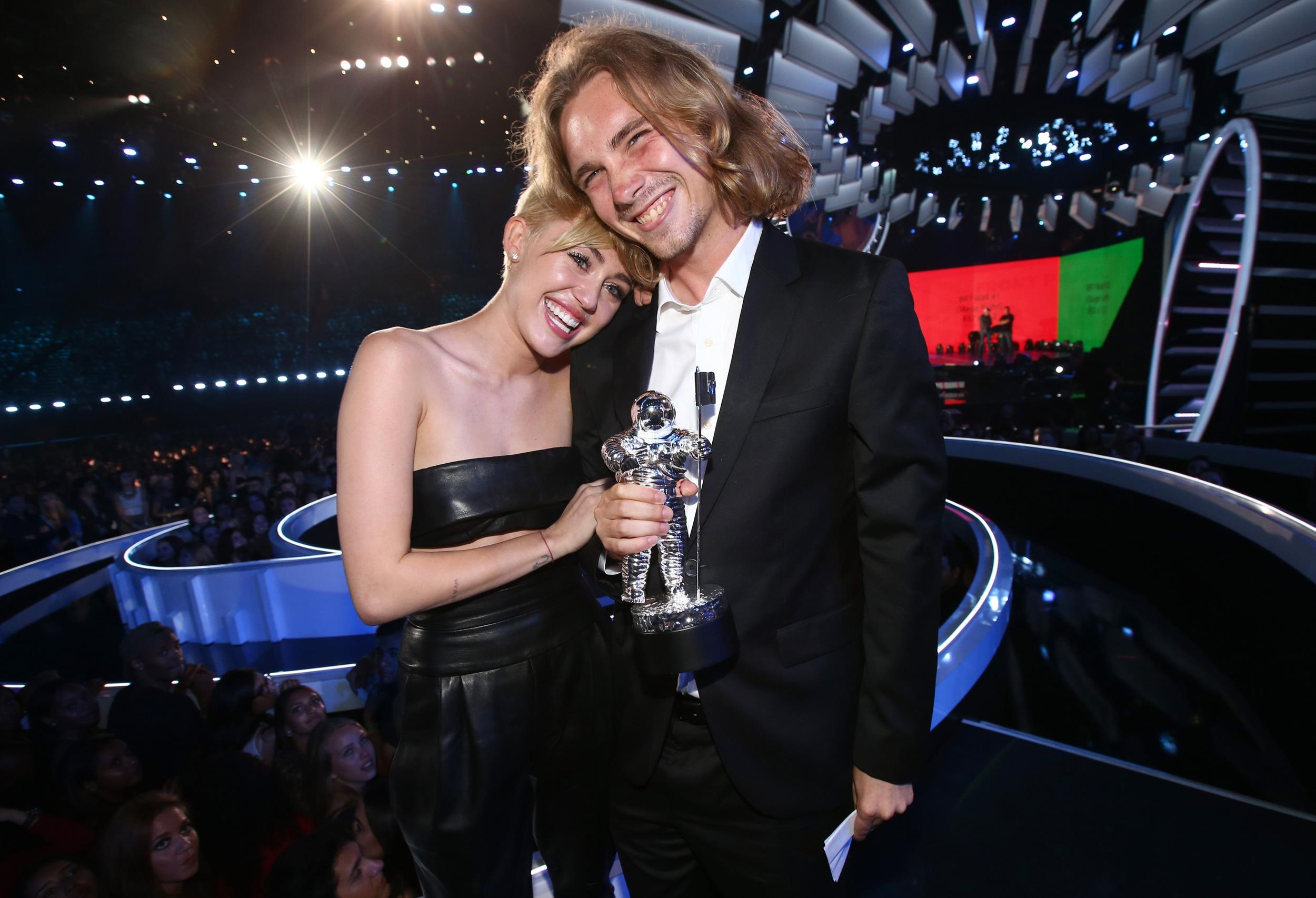 Image: Singer Miley Cyrus and Jesse